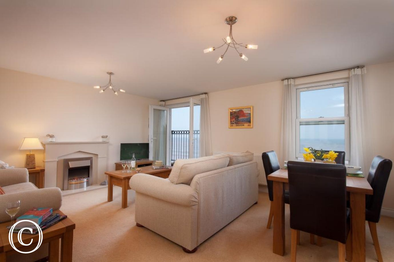 Open Plan Sea View Holiday Apartment at 16 Great Cliff in Dawlish, South Devon