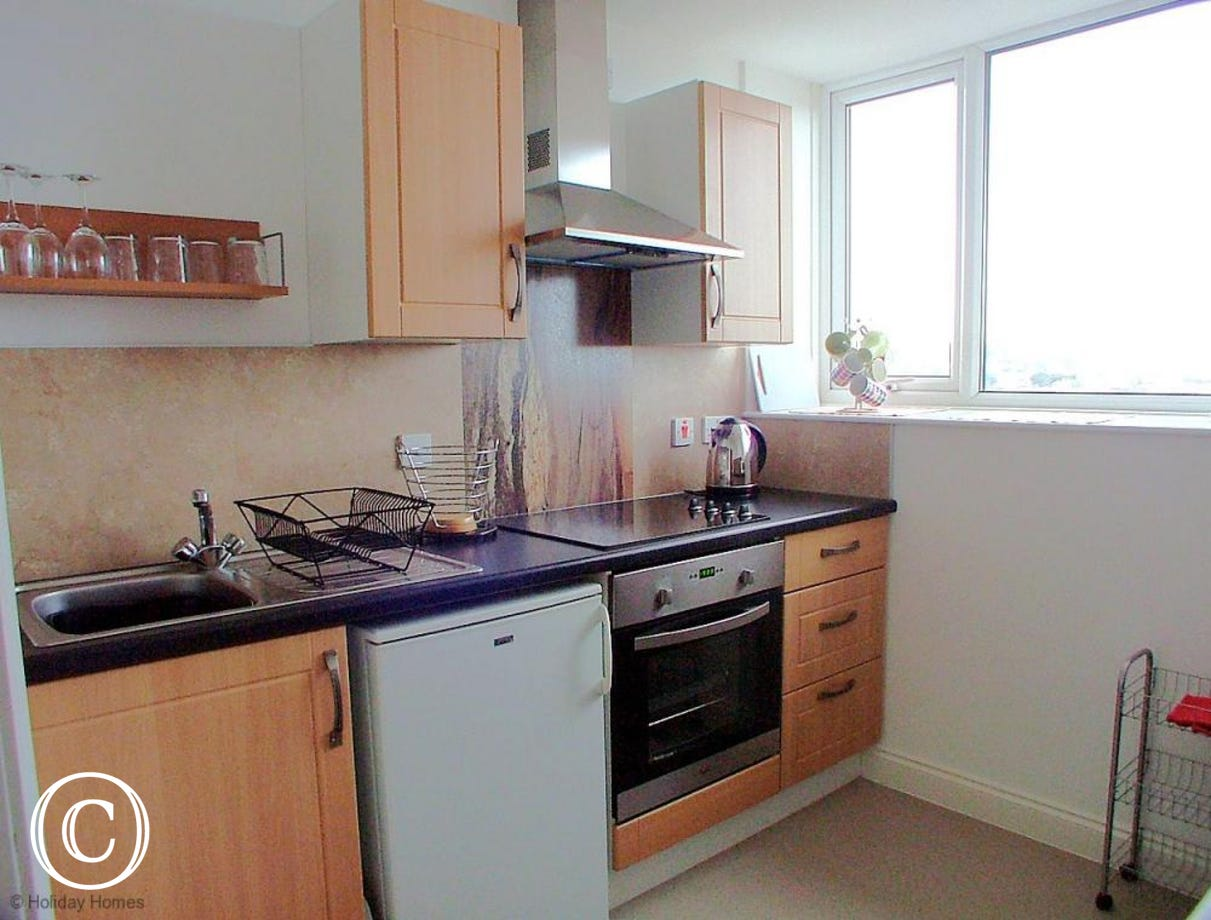 Stanley Apt 1 Paignton - Modern Fitted Kitchen