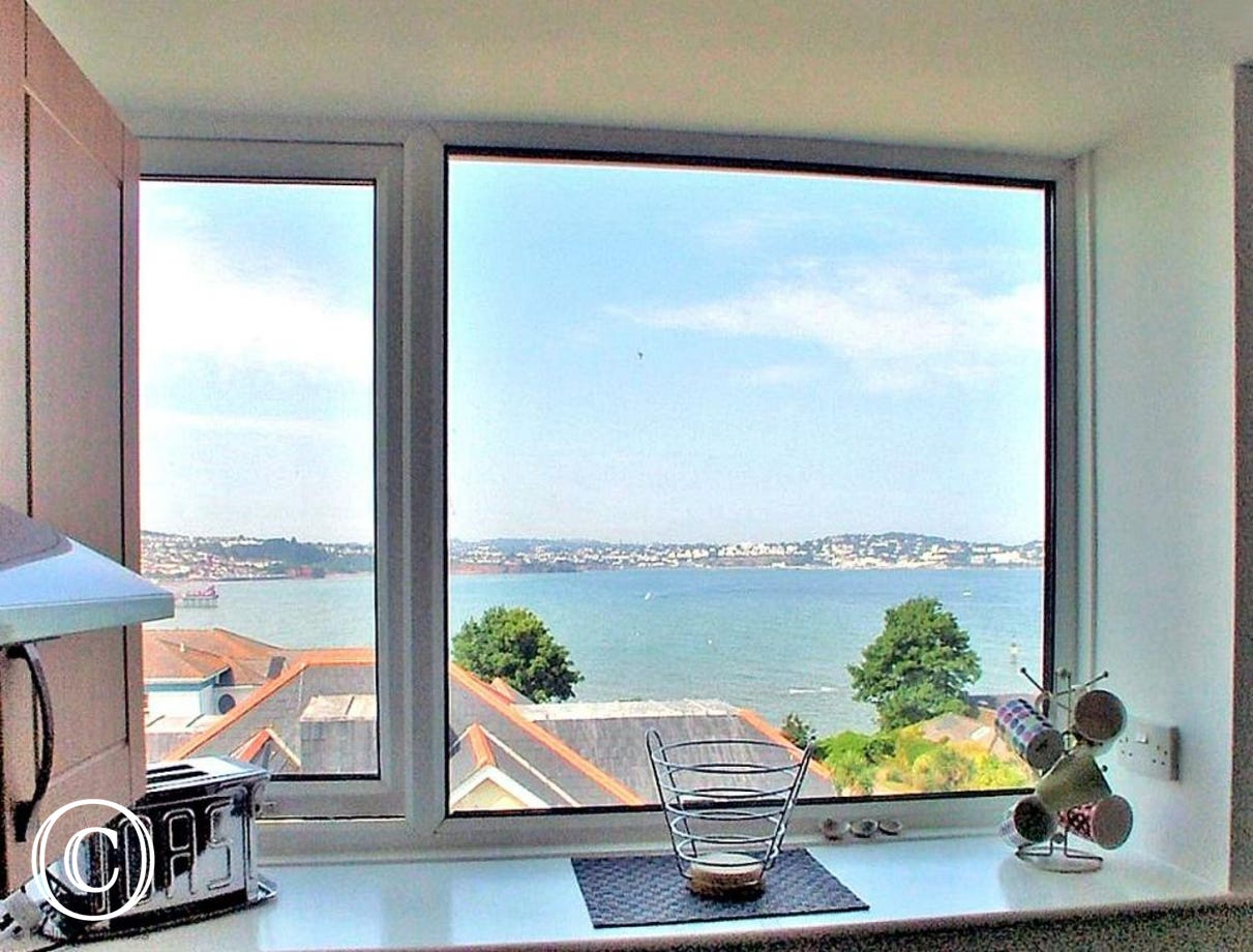 Stanley Apt 1 Paignton - Sea views to Torquay from the Kitchen