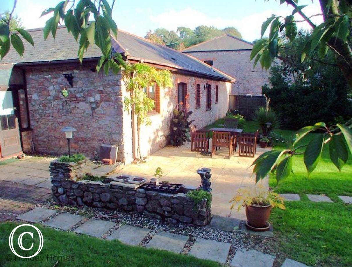 The Chestnuts Galmpton - Gardens Ideal for Relaxation