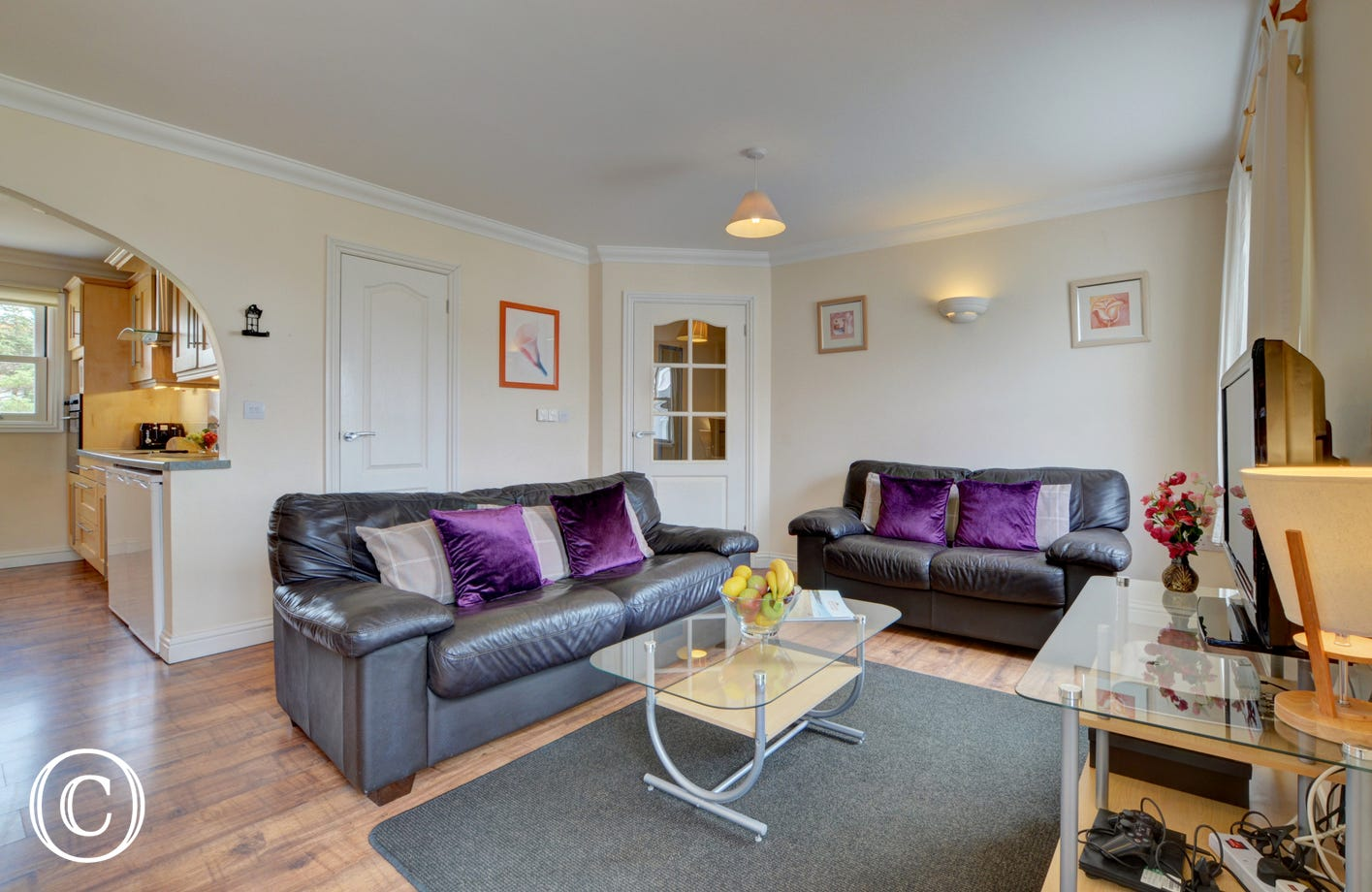 This first floor apartment is just a 500 yards level walk from the award winning surfing beach  of Woolacombe