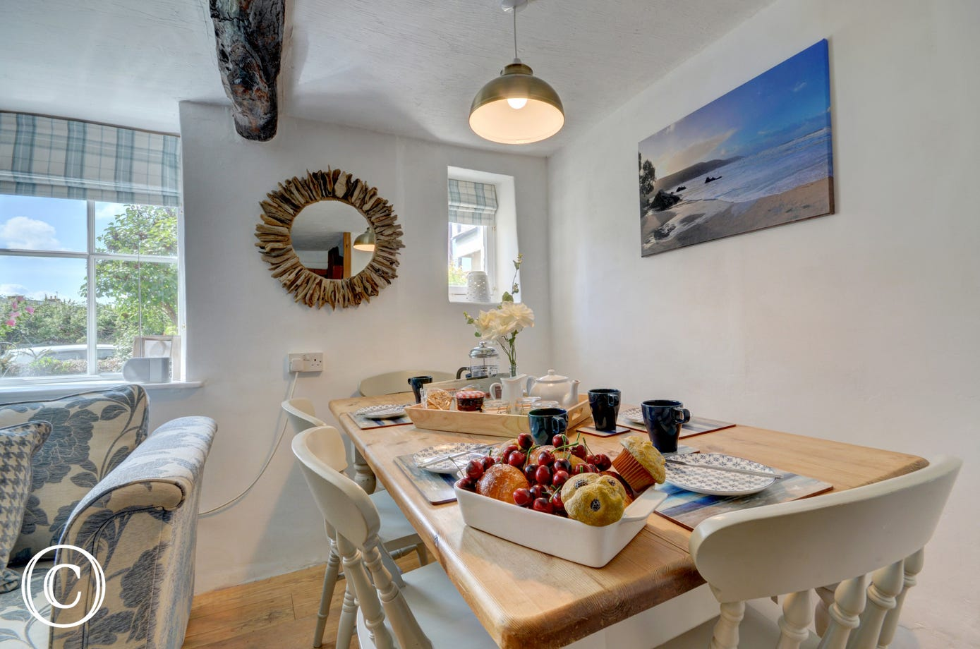 Enjoy meals together around the dining table which comfortably seats five people