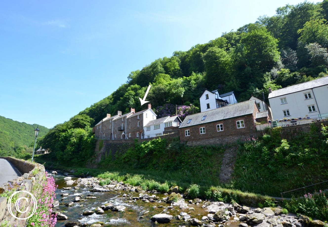 Situated above the East Lyn River this welcoming stone built cottage is in a great position for exploring the outstandingly beautiful Exmoor countryside