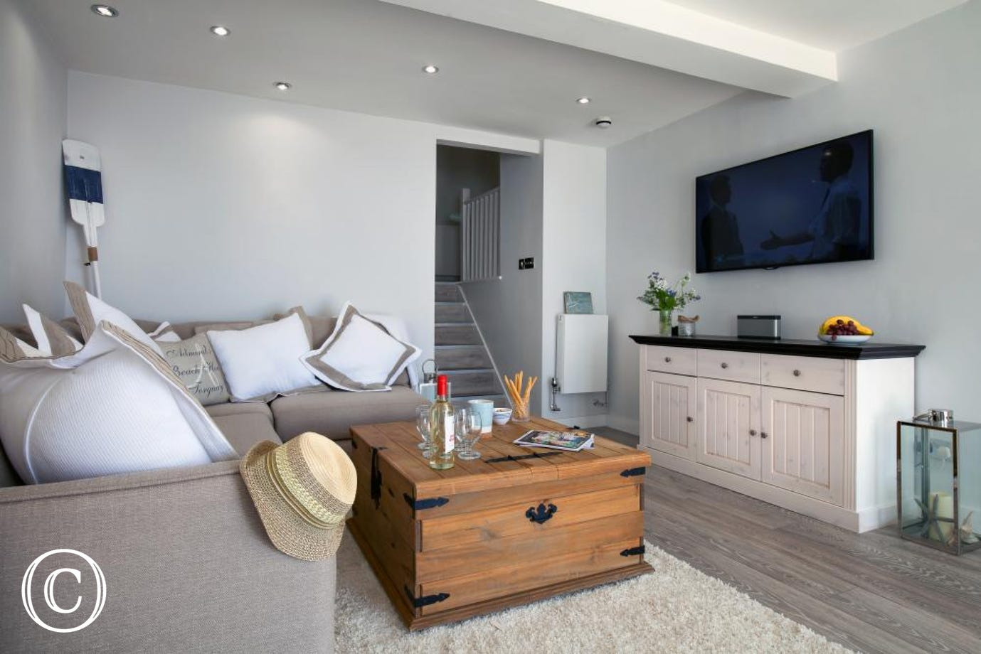 A Modern Nautical Torquay Holiday Apartment