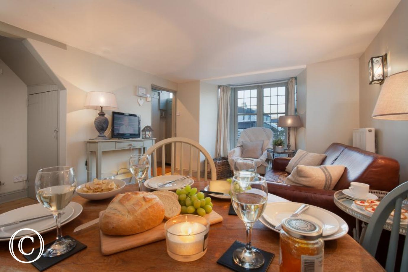 Dining table, view 2 - Compass Cottage, Shaldon
