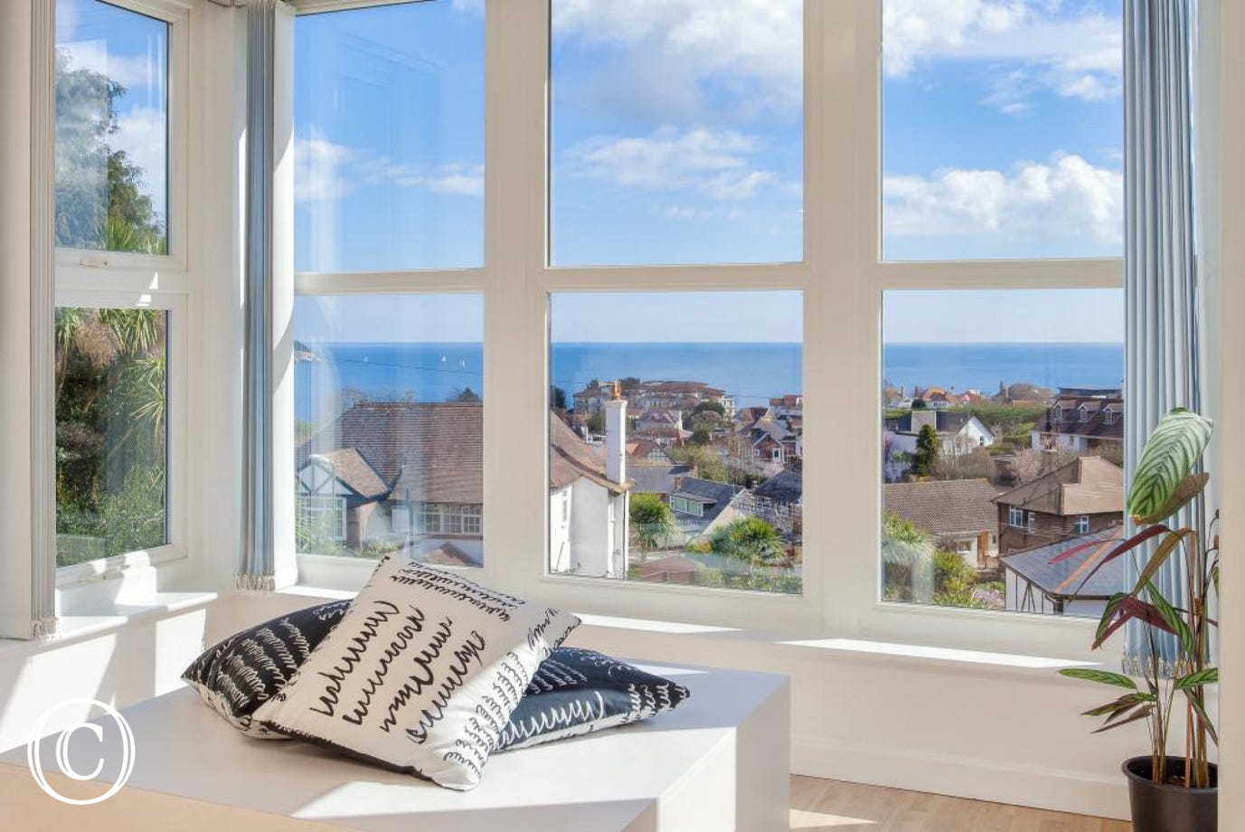 Enjoy Spectacular Sea Views over Torbay from this Central Torquay Self-Catering Apartment, Close to Torquay Town Centre, Cockington Village and Paignton