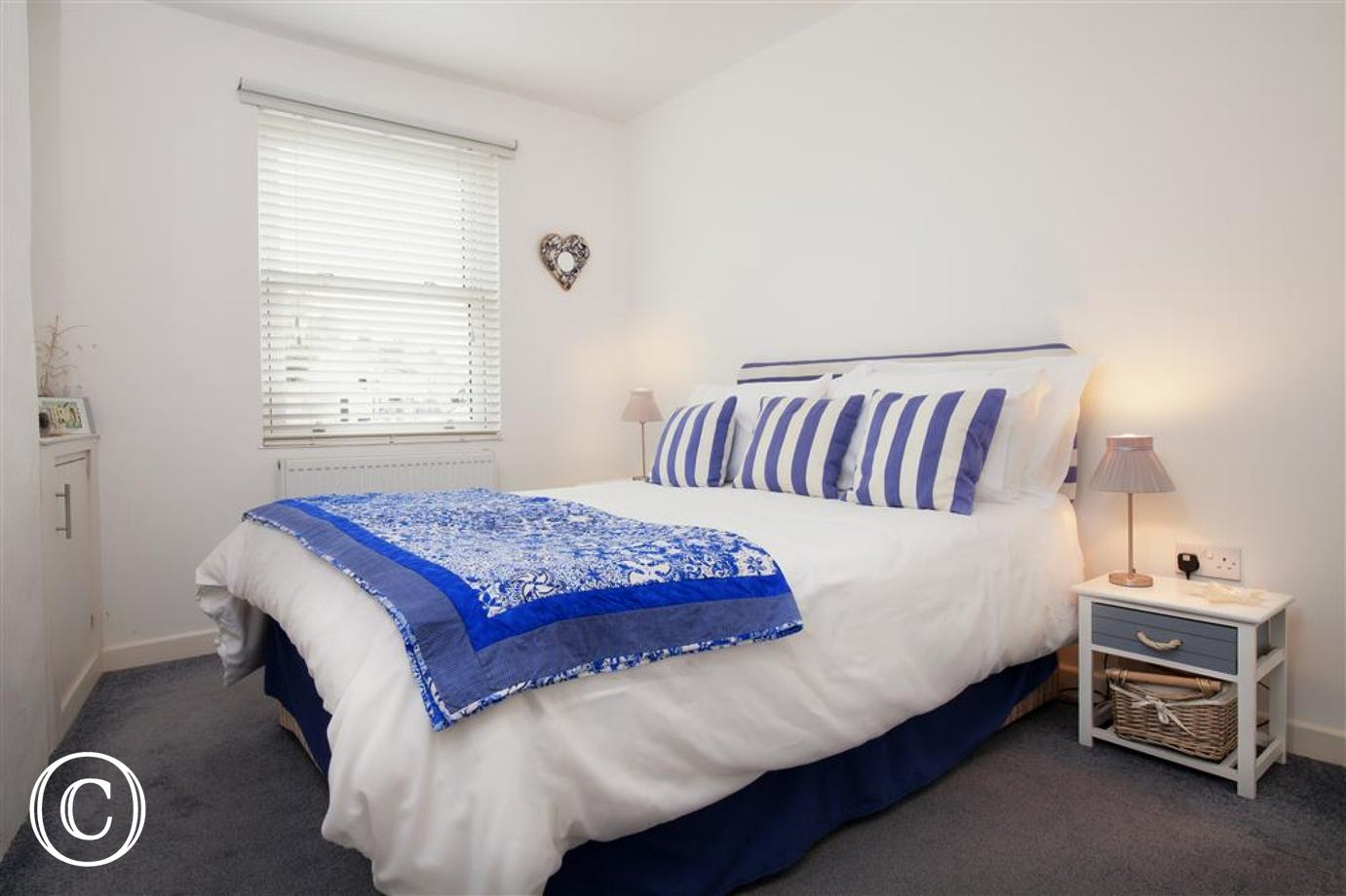 Oyster Cottage, Shaldon - Master bedroom