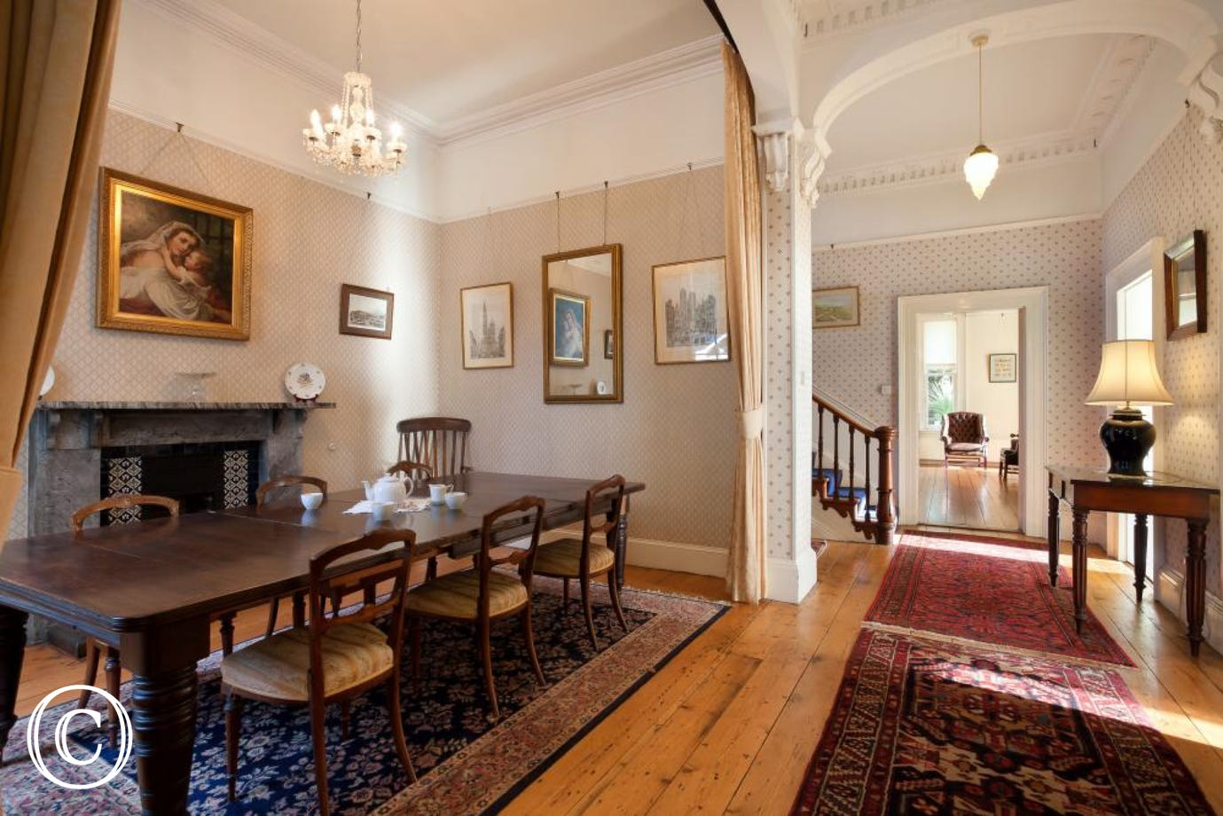 Longcroft House, Torquay - Elegant dining room