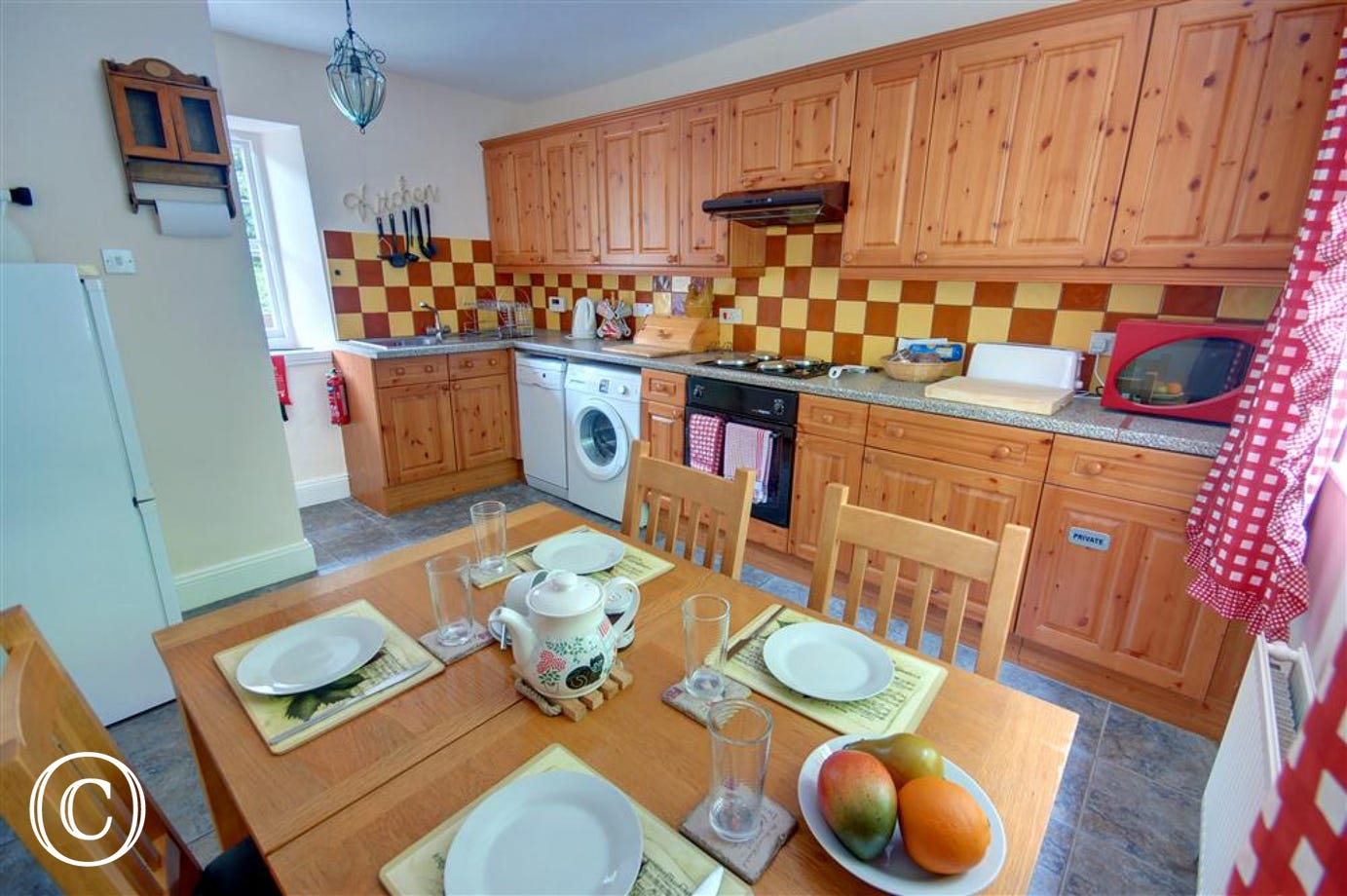 Fully equipped spacious kitchen/diner