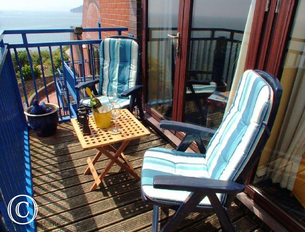 Rockstone Holiday Apartment Dawlish  - Relax with a drink and enjoy the view