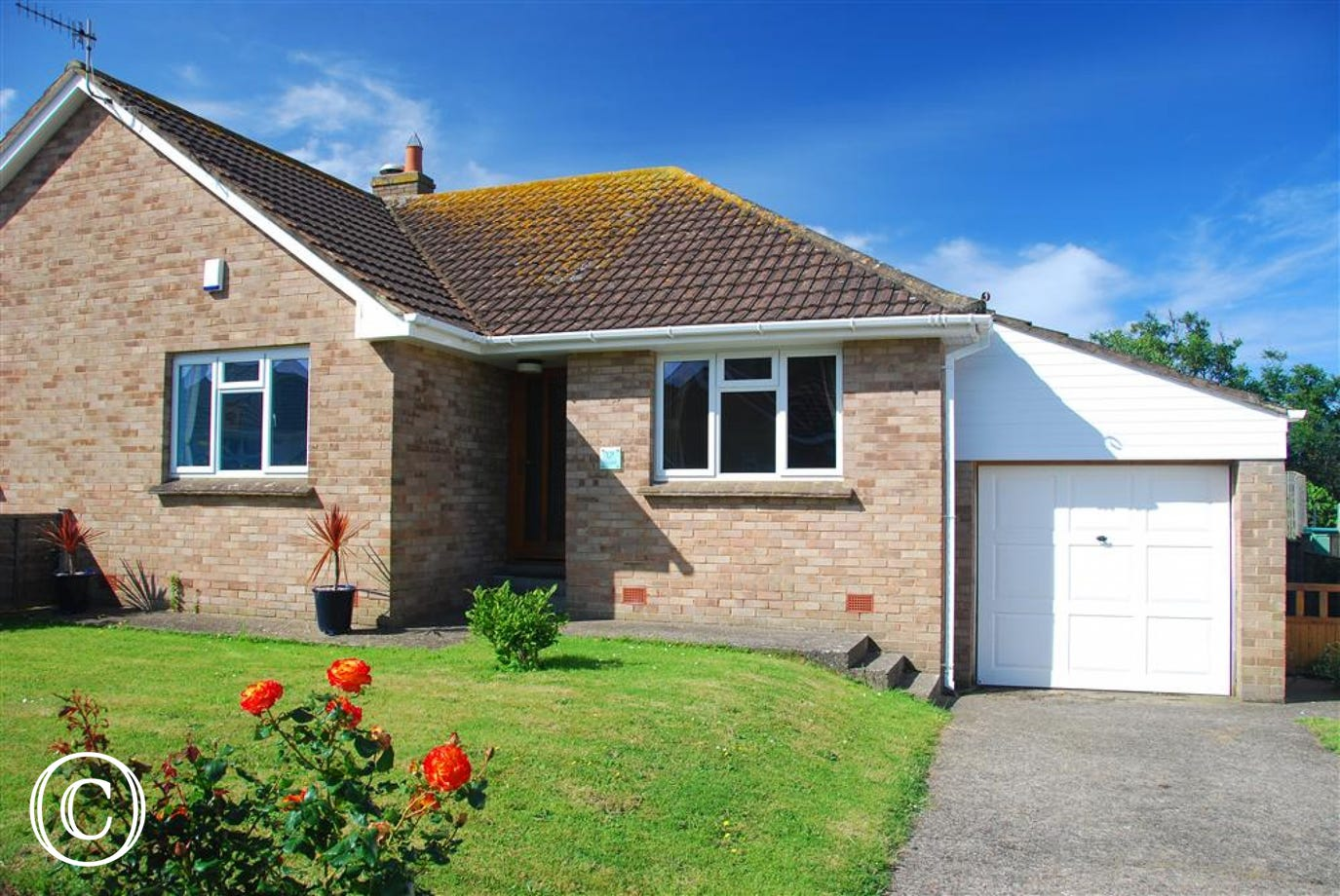 Swell is a stylish semi-detached home in the heart of Croyde