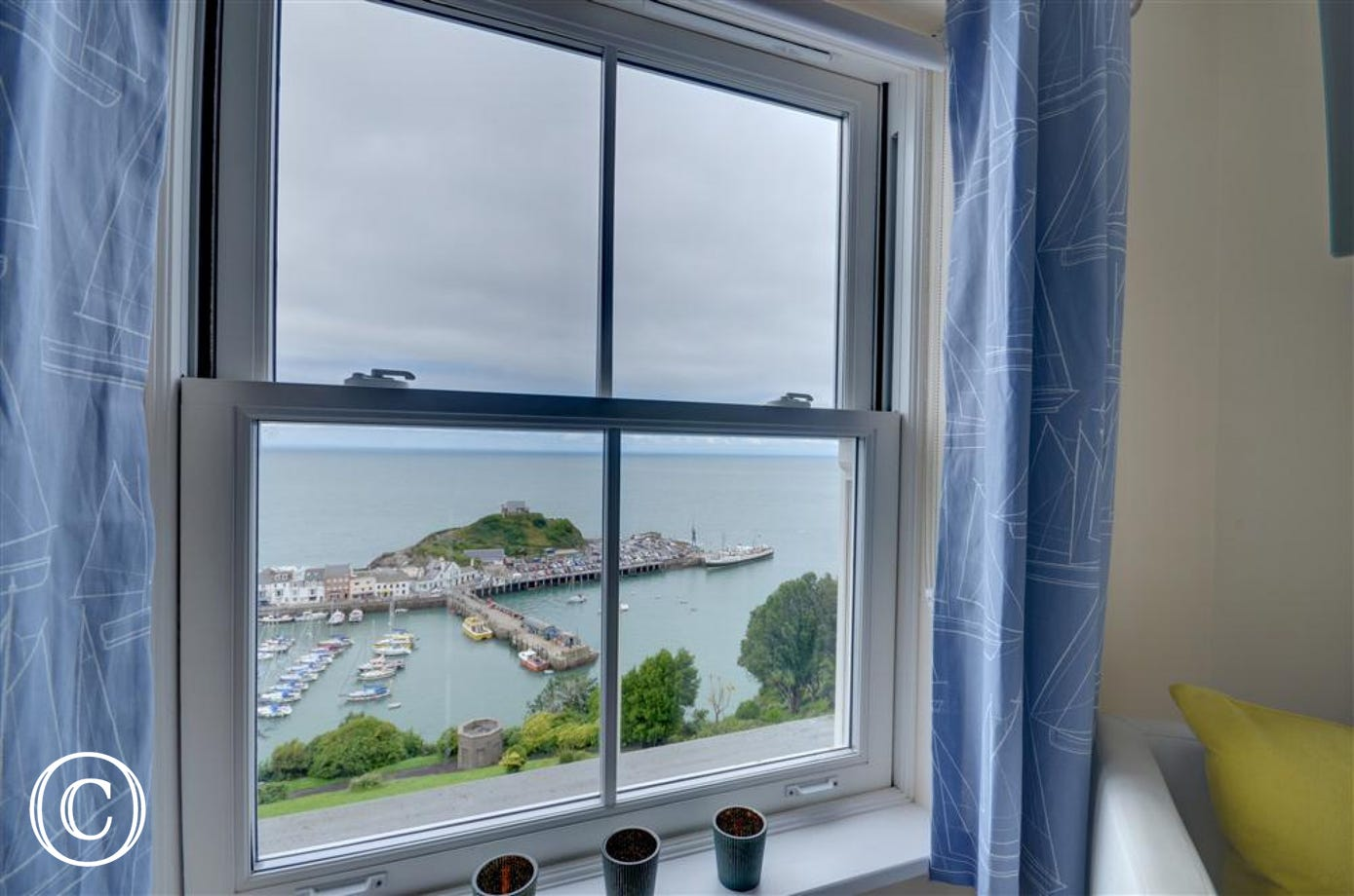 Uninterrupted views of the harbour with fishing and pleasure boats coming and going throughout the day