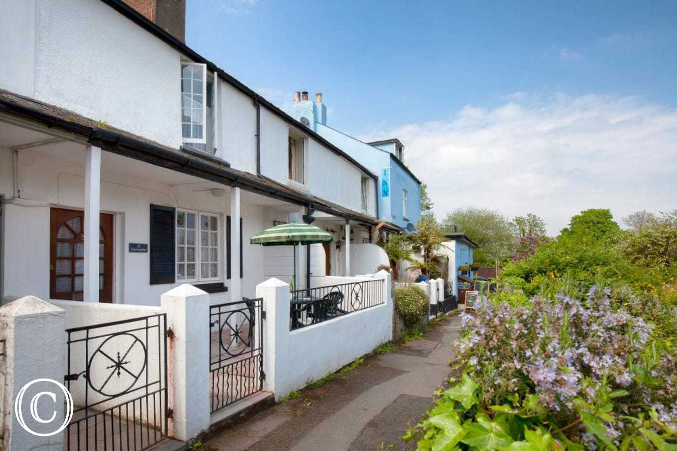 pretty self-catering cottage for families in Shaldon, opposite Teignmouth and with easy links to Torquay