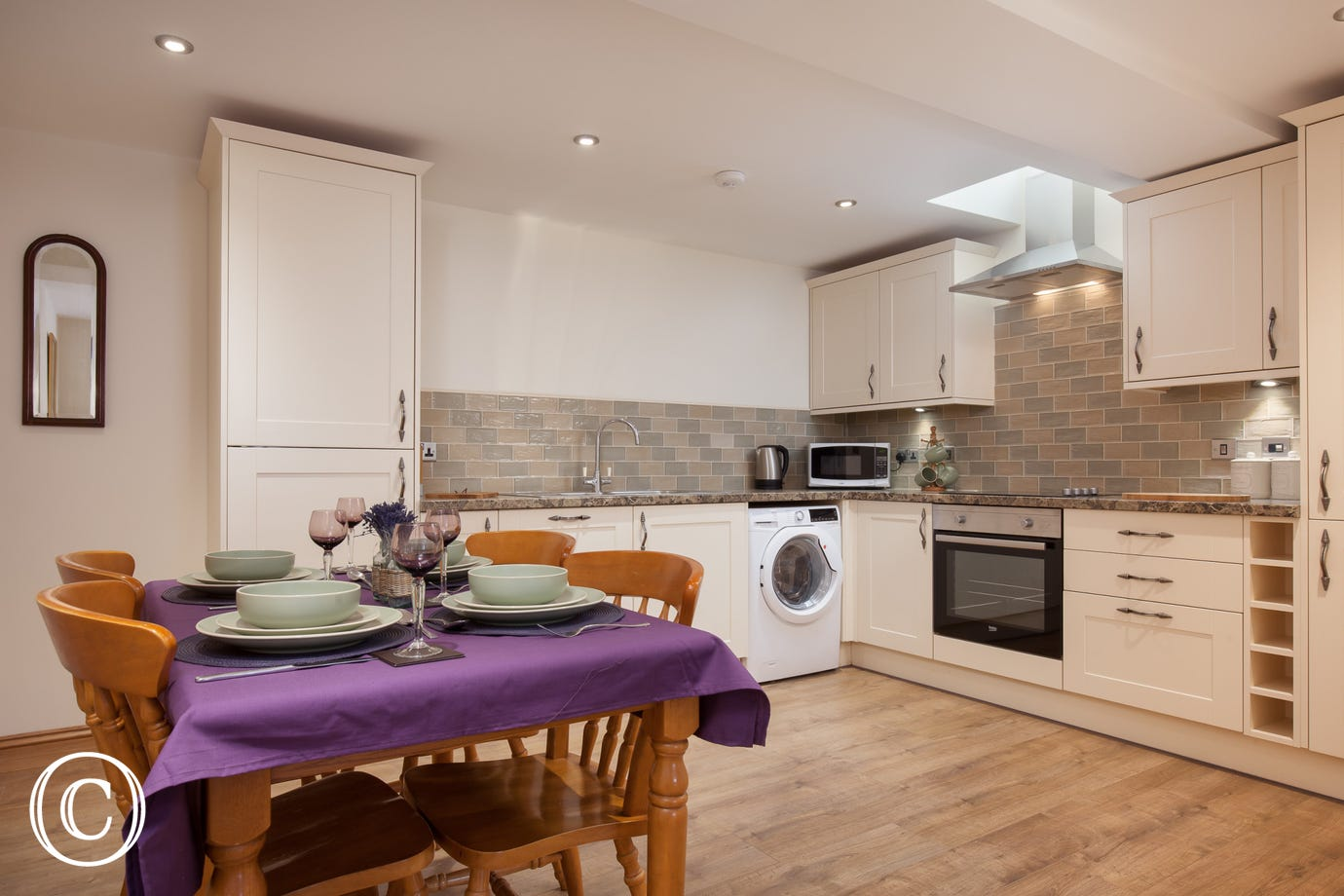 modern kitchen diner, perfect for entertaining and family meals in Torquay Self-Catering
