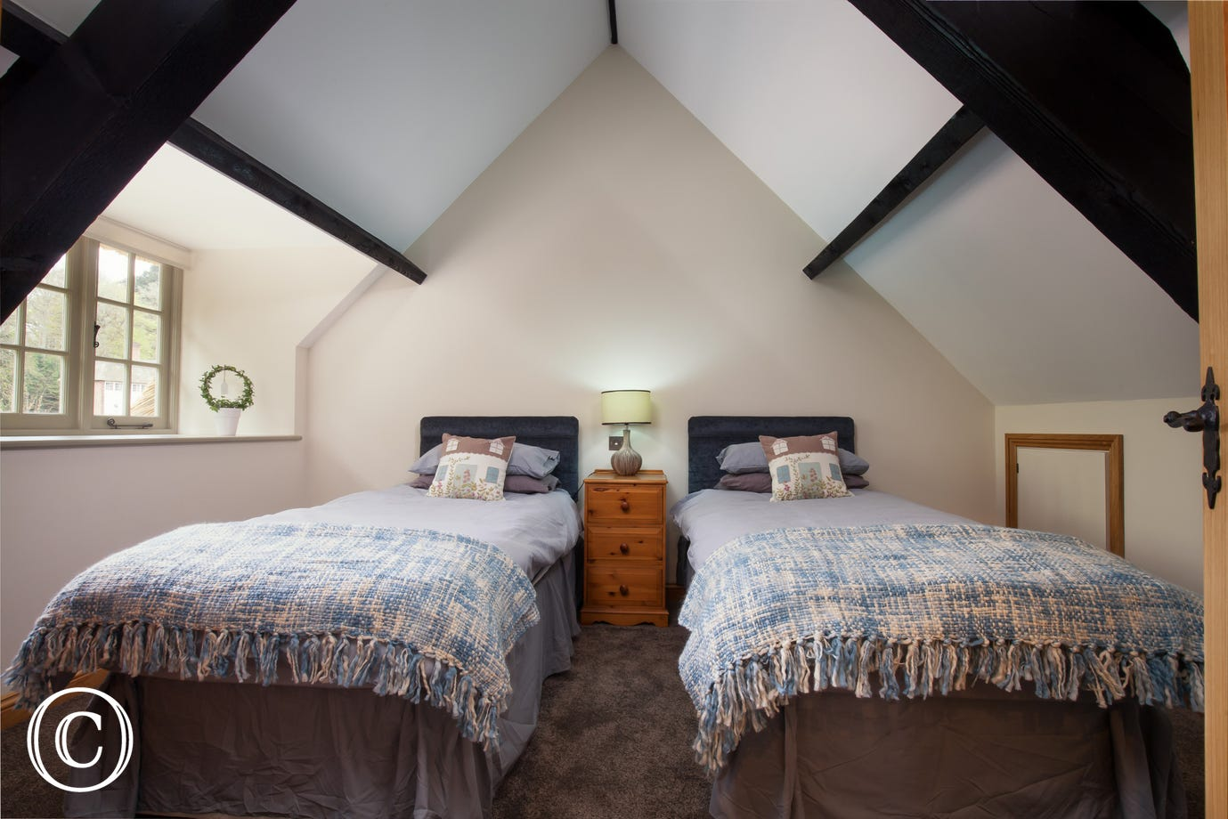 Two Bedrooms with king and twin beds, ideal for family holidays in Cockington, Devon