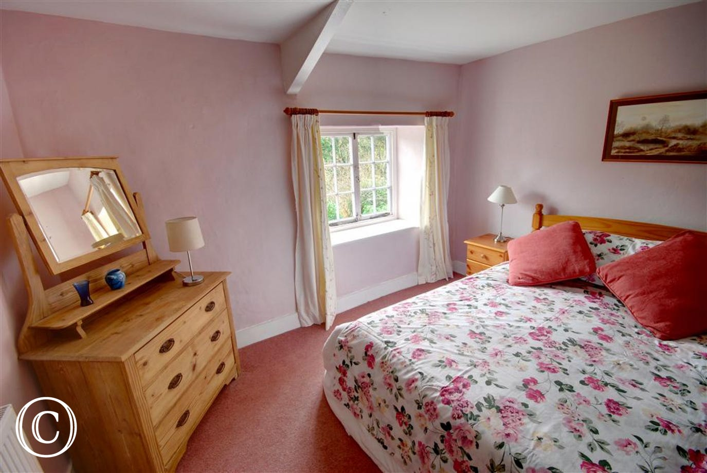 Attractive spacious double room