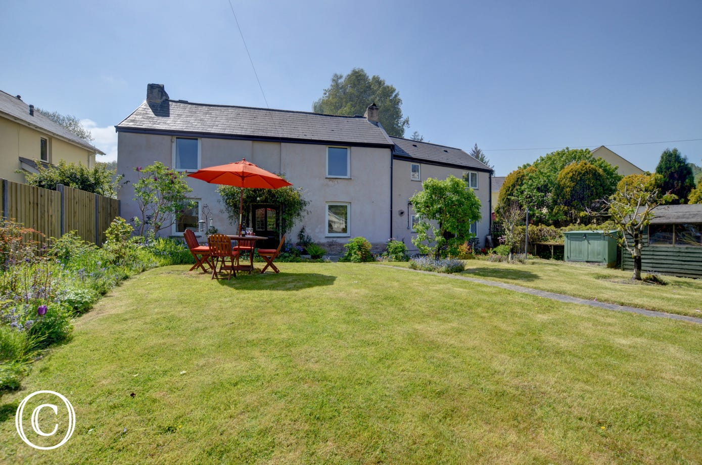 Jewel cottage is perfect for families or groups of friends, you will simply not want to leave this great holiday home!