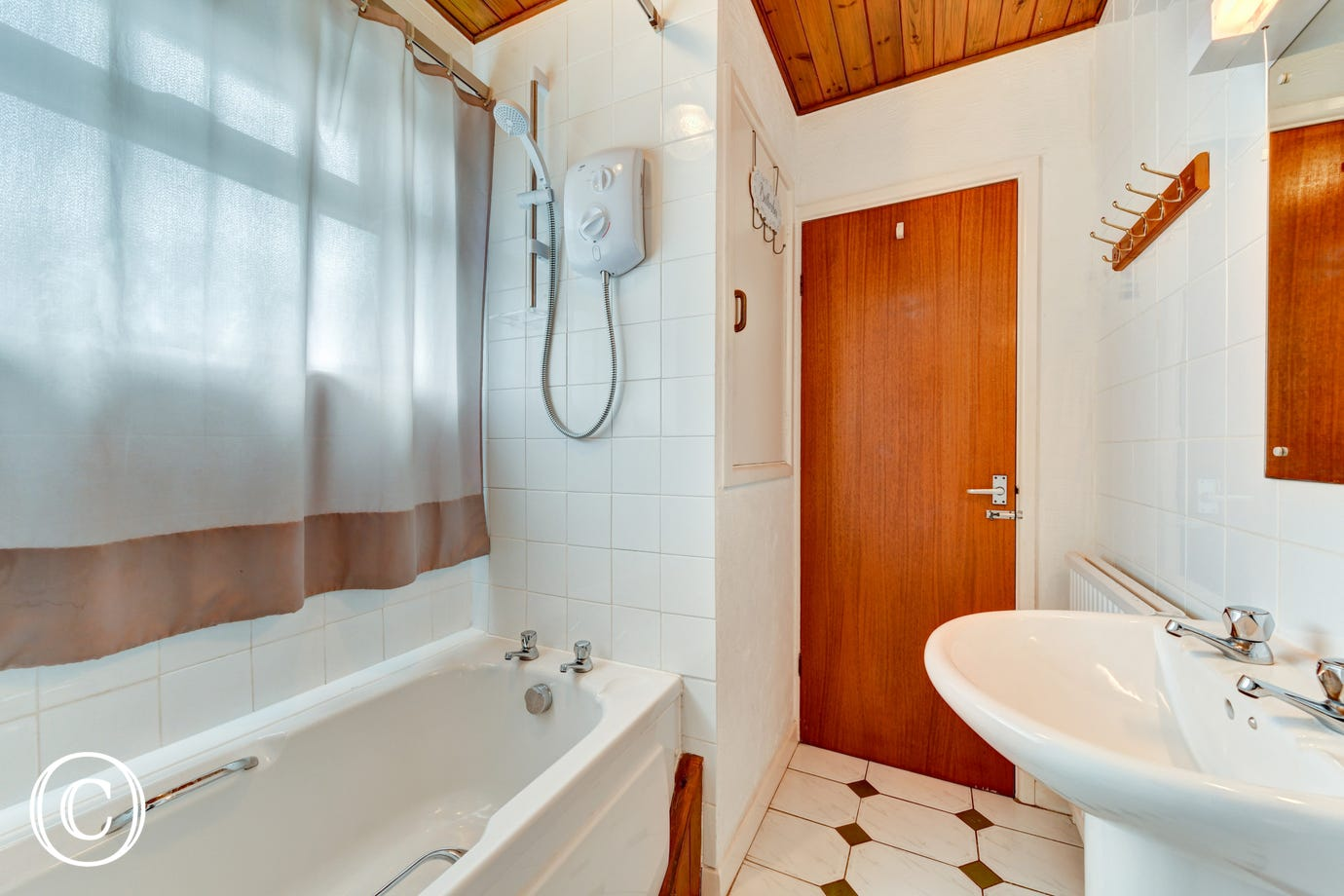 H28411 - Bathroom 2