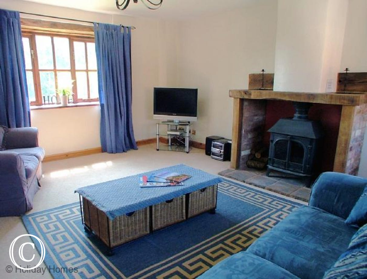 Luccombe Barn Holiday Cottage - Lounge