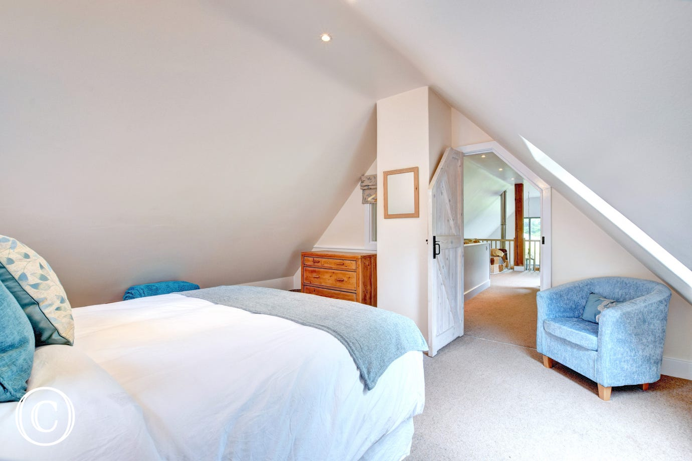Southills Cottage, Cornworthy - Bedroom - view 2