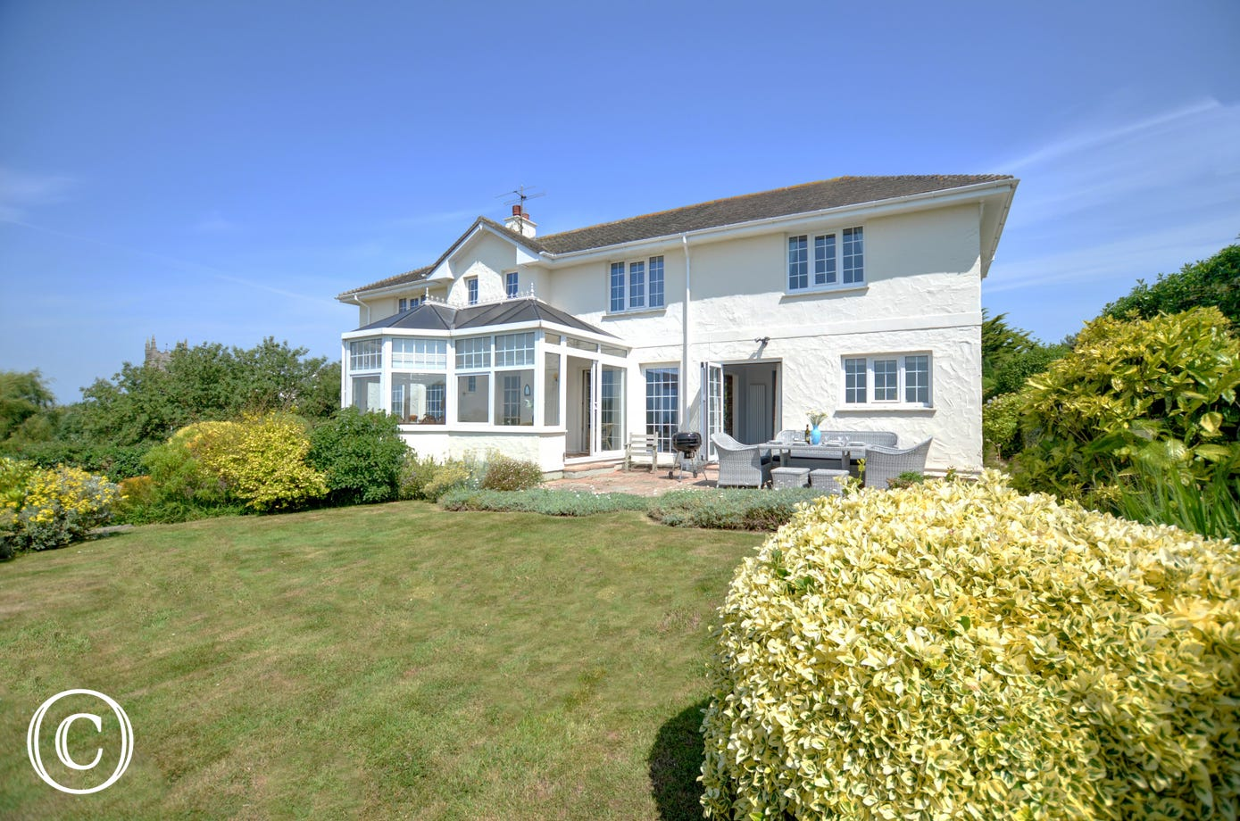 For a North Devon holiday home which has wonderful coastal panoramic views then look no further than Heanton Lodge