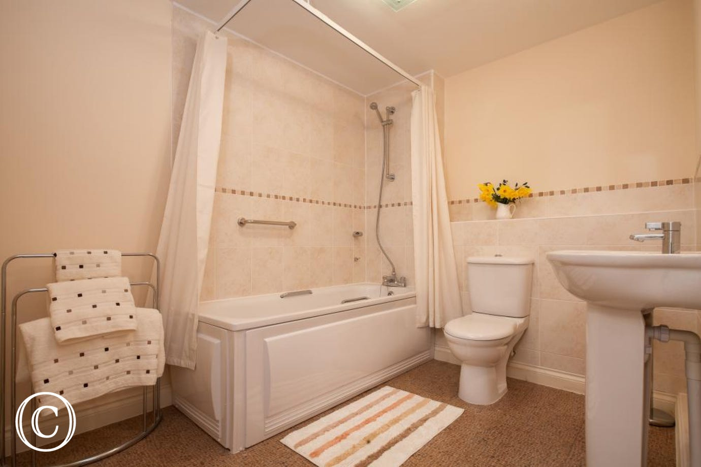 Perfect for Families or Groups of Friends on Self-Catering Apartment Breaks in Dawlish, South Devon