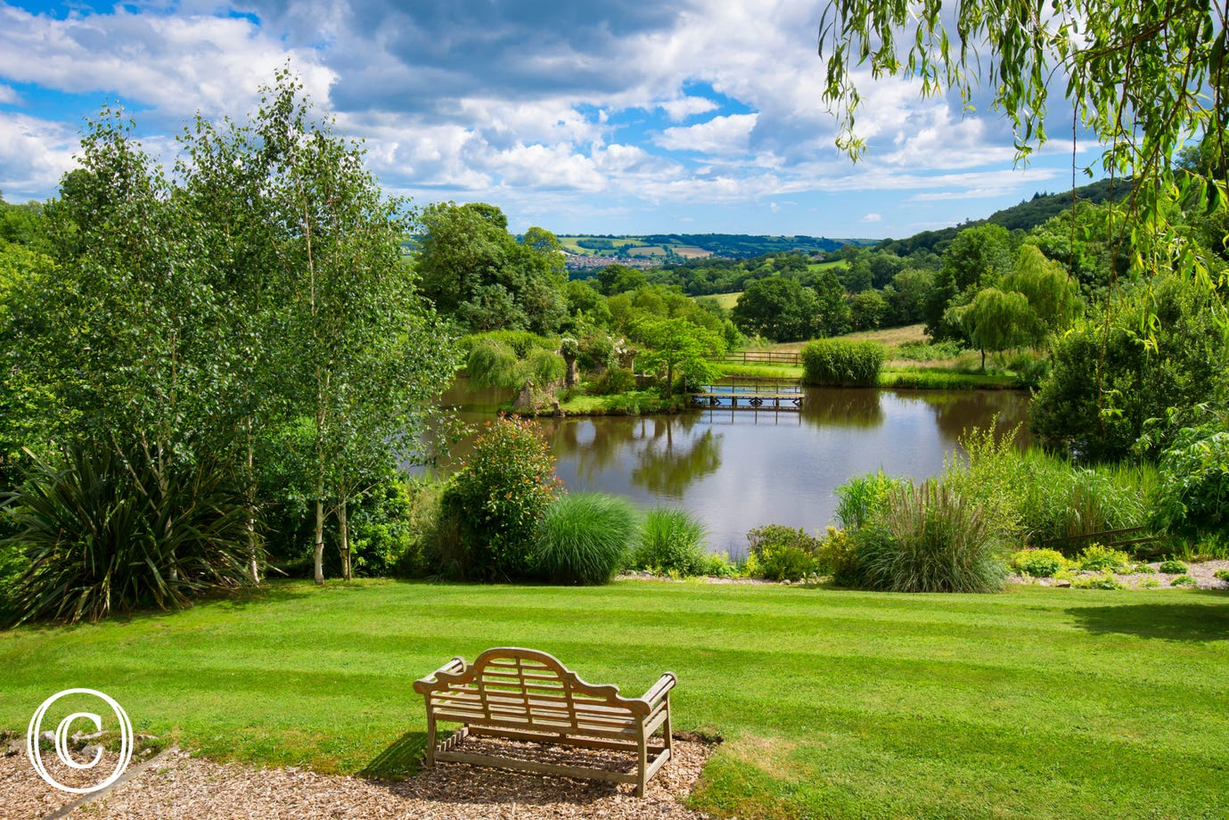 31 acres of countryside land and beautiful lakes