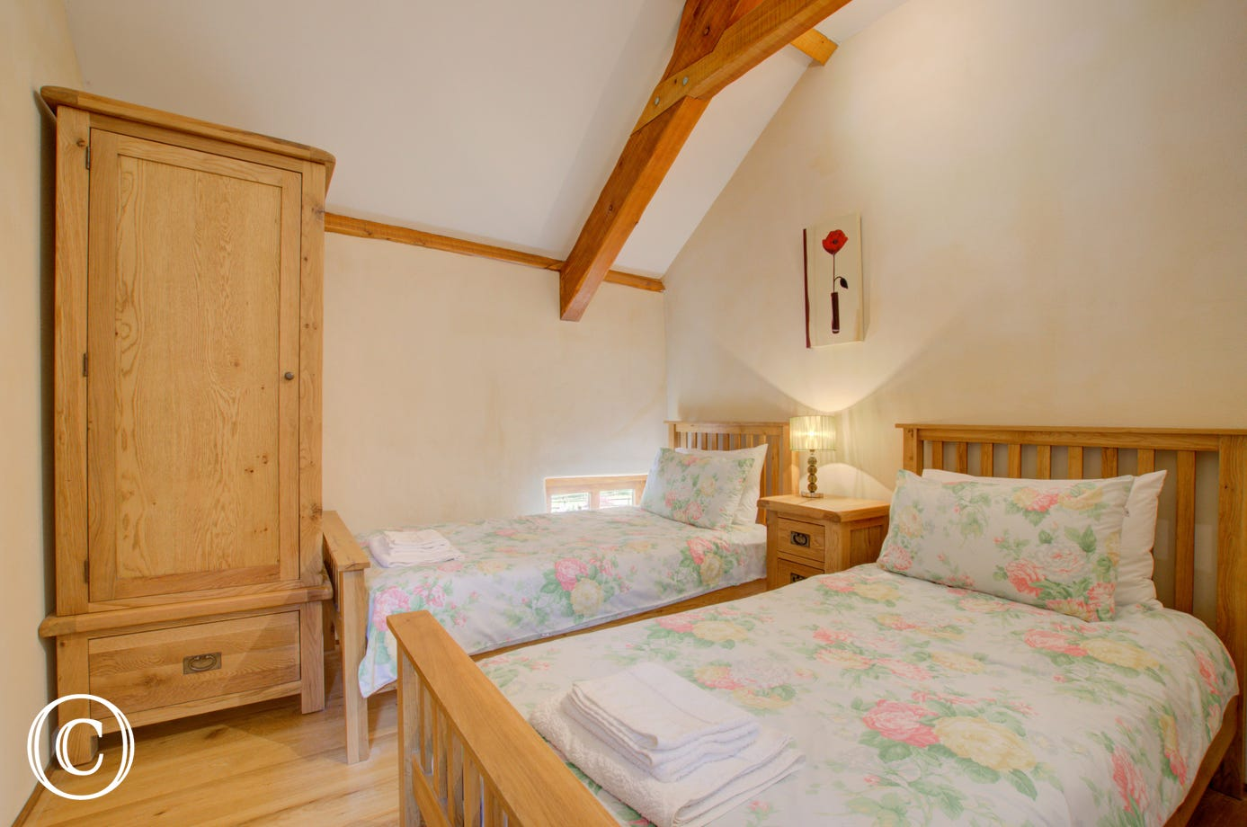 The cosy twin bedded room