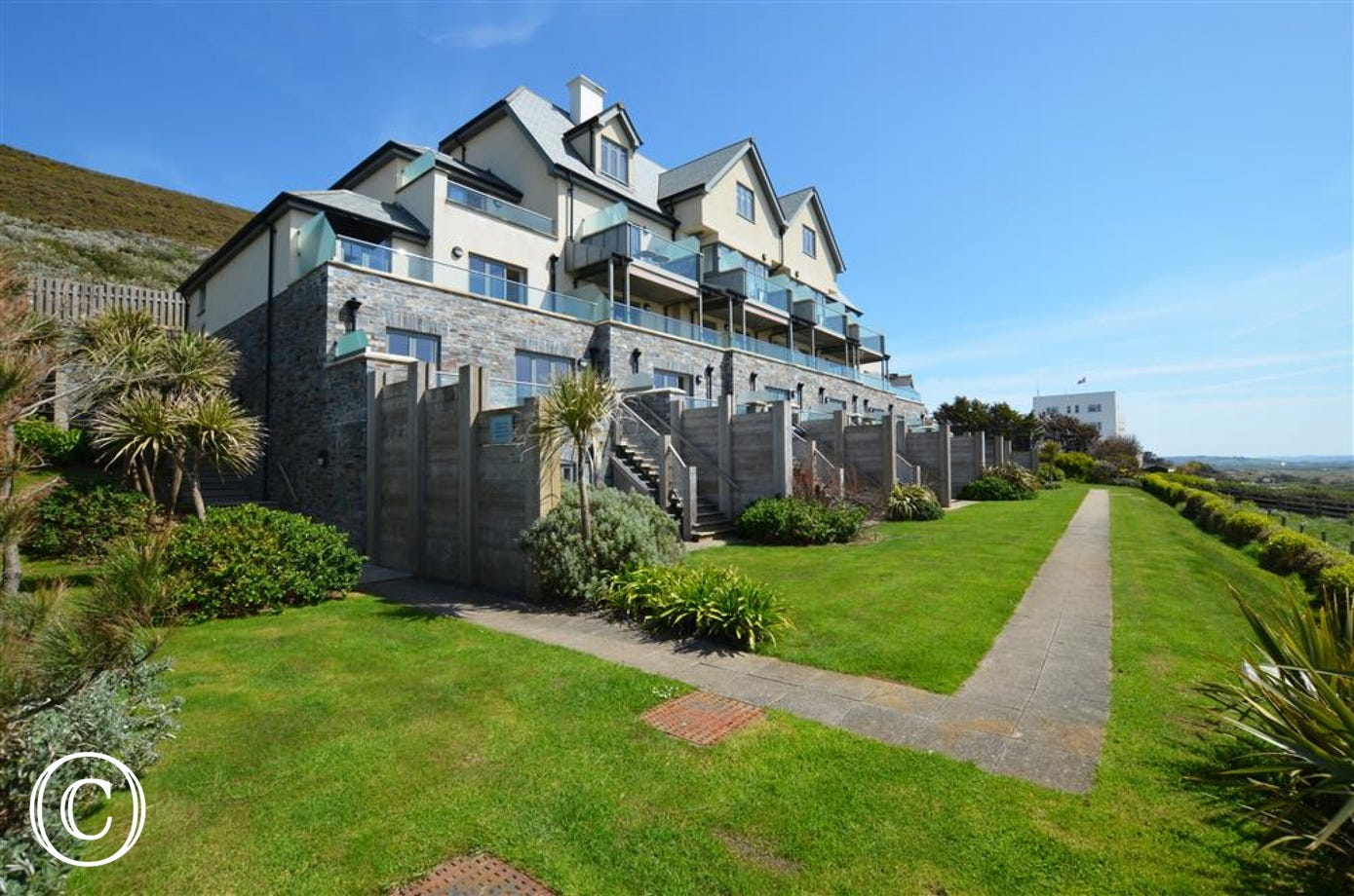 Ocean Point is situated on the cliff top with unbelievable seaviews