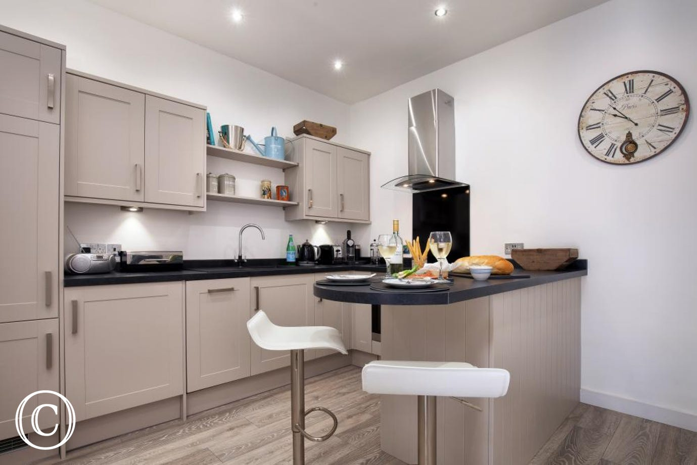 Modern Kitchen, Perfect for Cooking whilst on a Self-Catering Holiday in Torbay