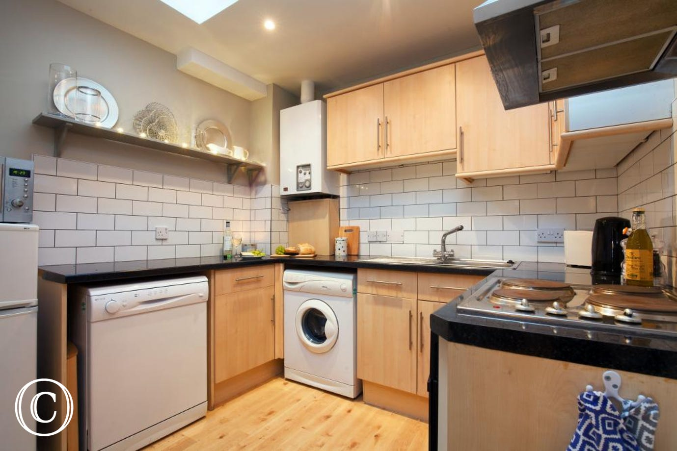 Kitchen - Compass Cottage, Shaldon