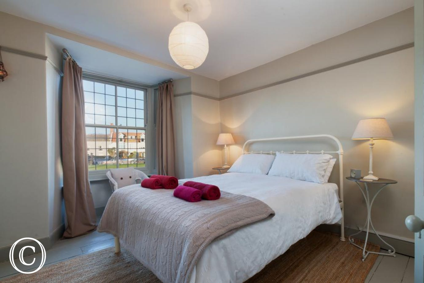 Master bedroom - Compass Cottage, Shaldon