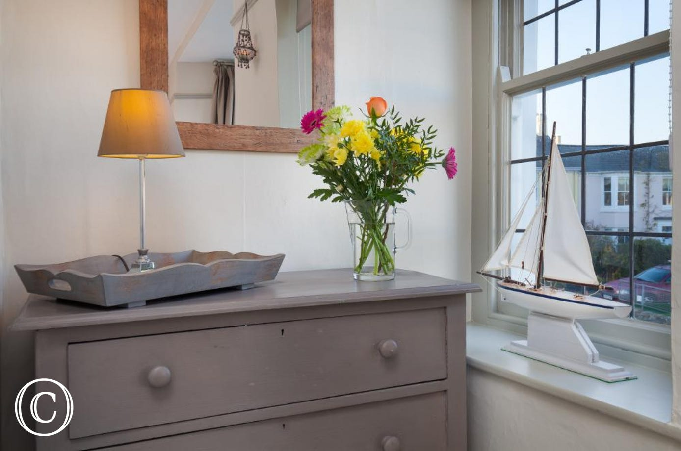 Accessories in the master bedroom - Compass Cottage, Shaldon