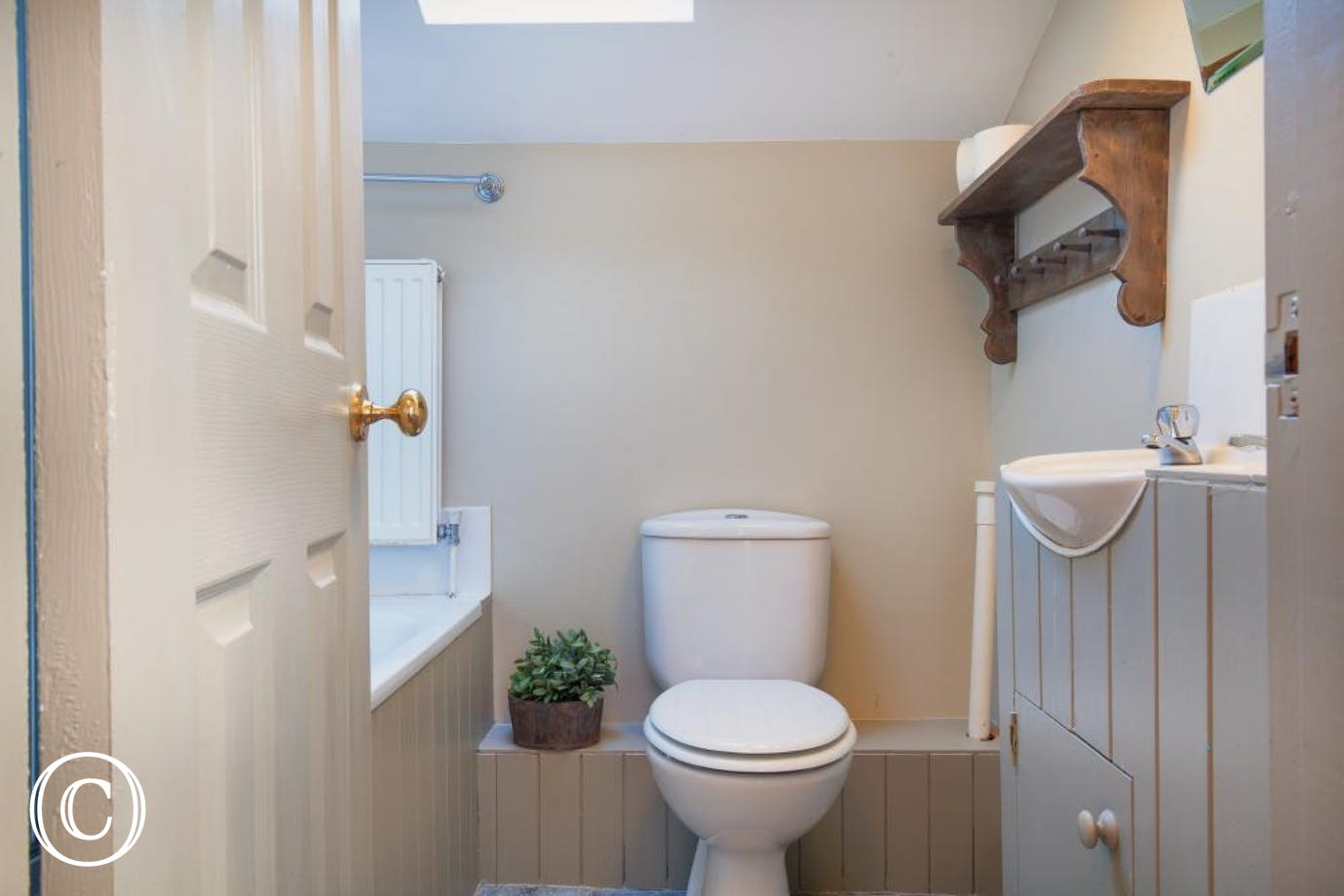 Bathroom - Compass Cottage, Shaldon