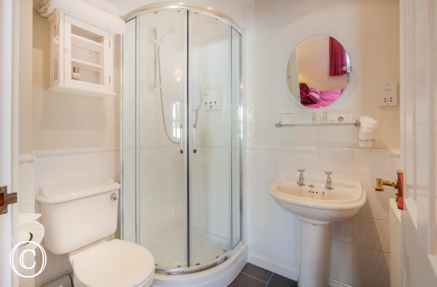 En-Suite Shower Room - Beach Mews in Torquay is packed with excellent facilities