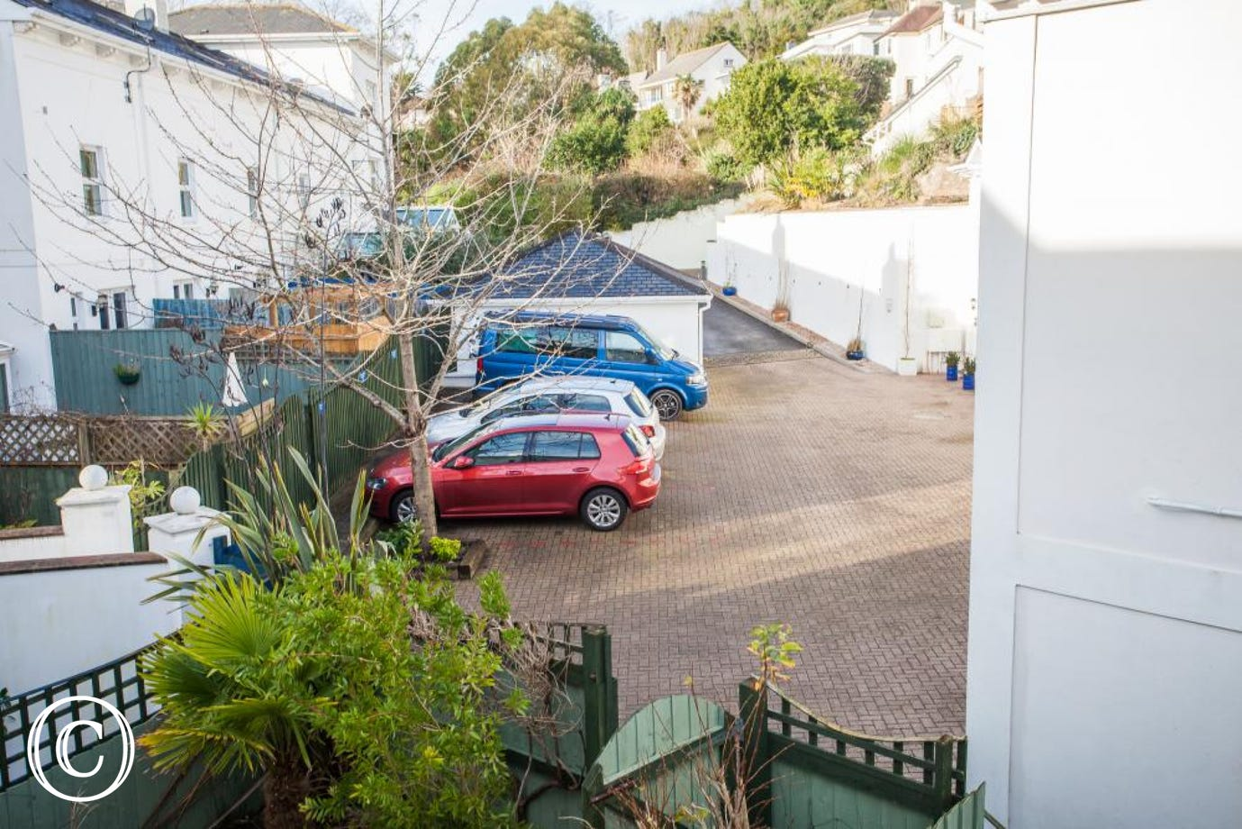 Torquay Holiday Cottage with Private Parking