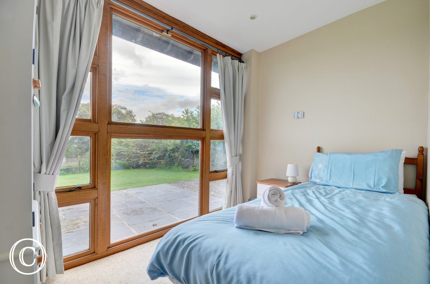 Wake up to stunning countryside views