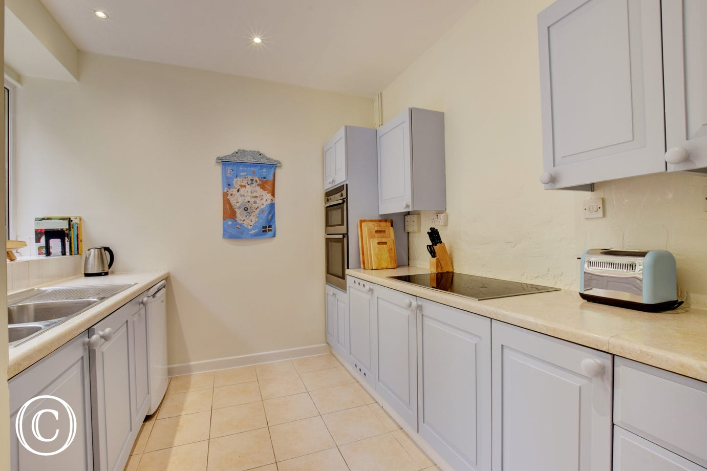 Wild Rose Cottage, Asprington - Kitchen