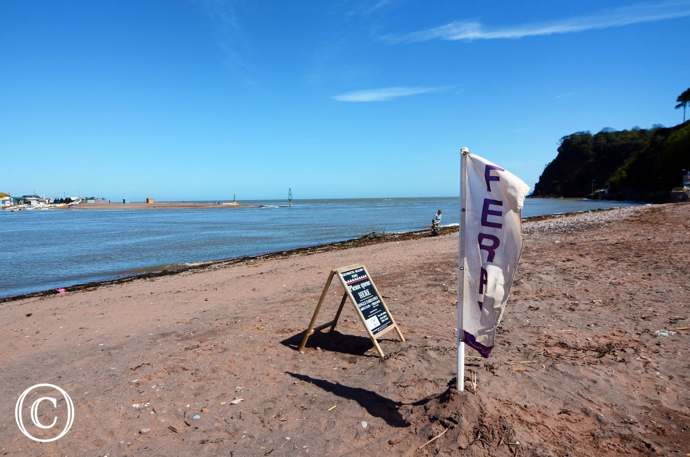 Catch the ferry from Shaldon Beach