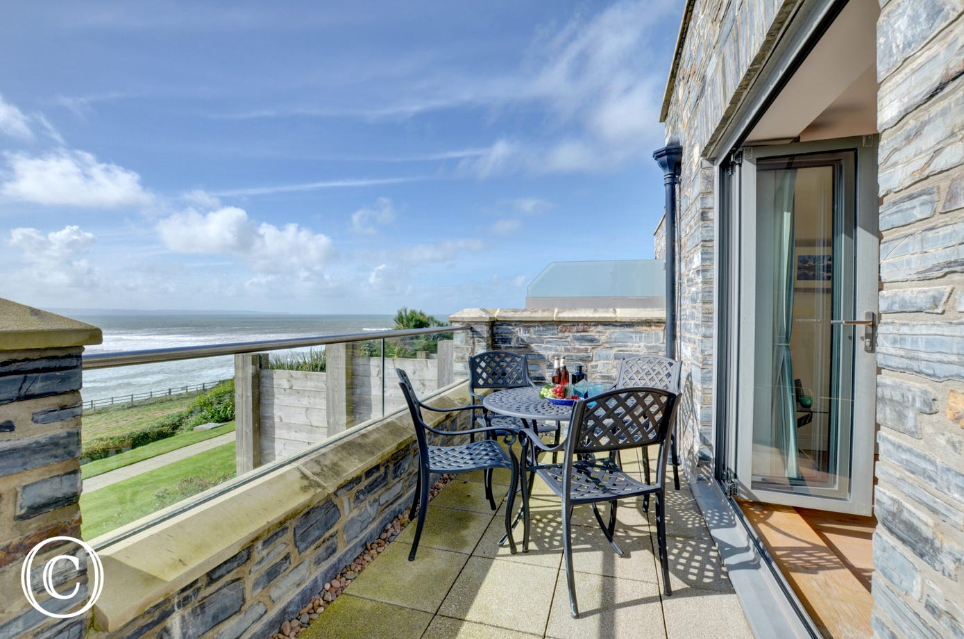 Terrace with fantastic sea views