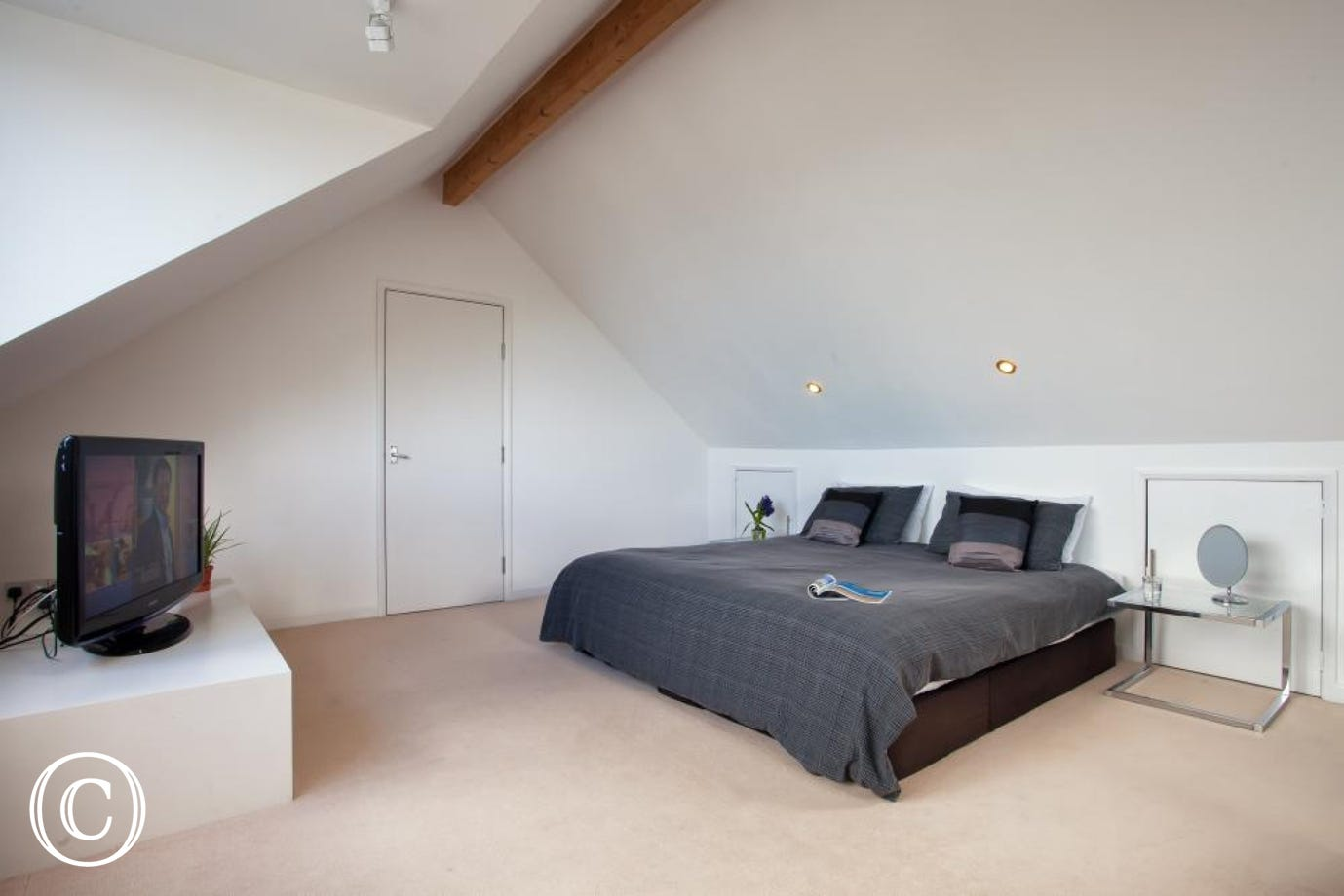 Spacious Master Bedroom at Ben's Place Self-catering Holiday Apartment in Livermead, Torquay