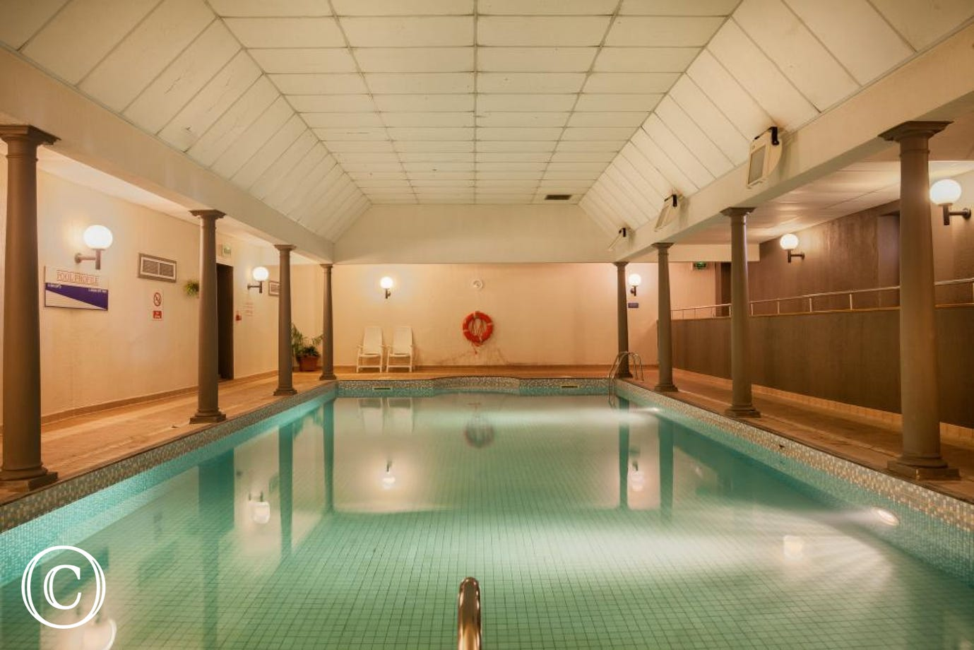 Meadfoot Beach Apartment, Torquay - Swimming pool
