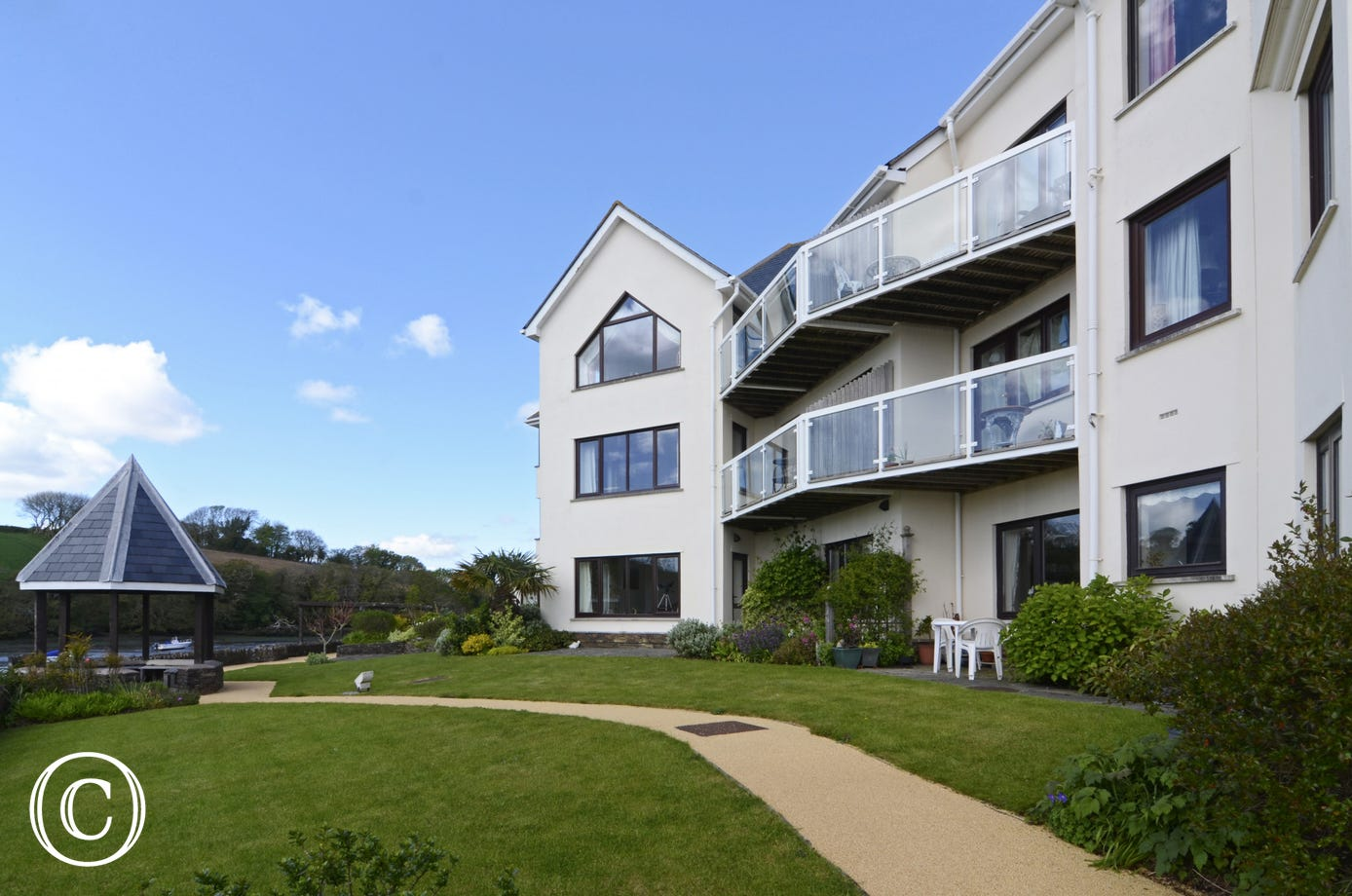 The Moorings Apartments in Kingsbridge with estuary river views