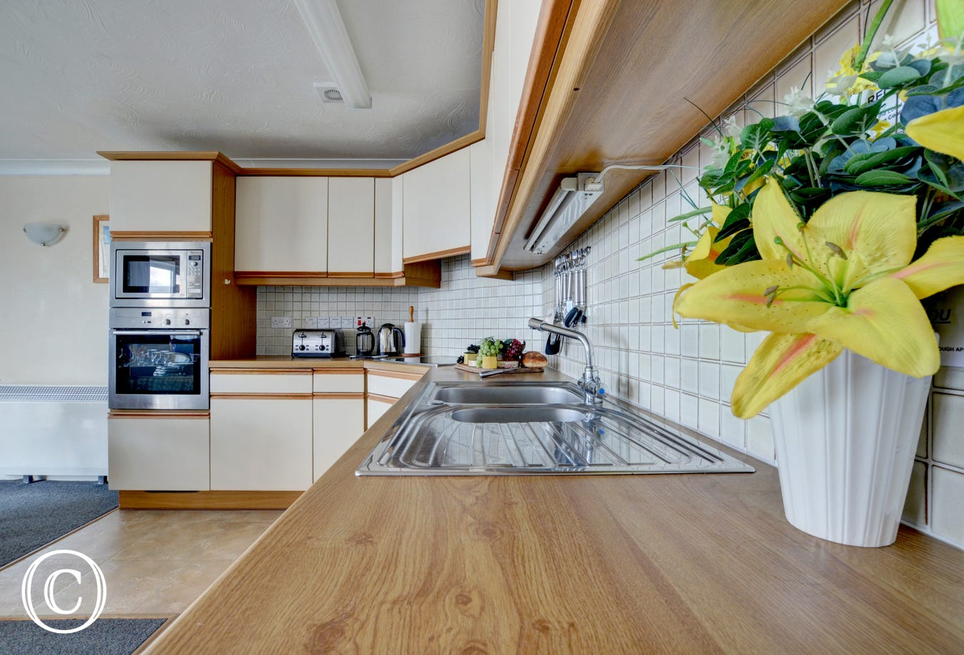 Well equipped open planned kitchen