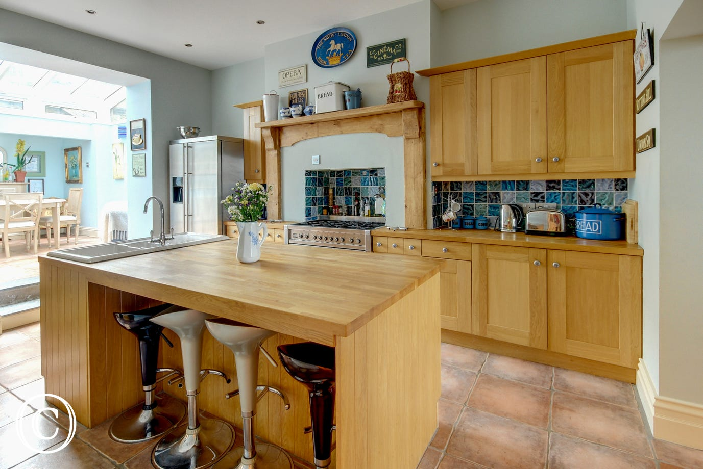 The kitchen is situated between the breakfast room and dining room which makes socialising a pleasure