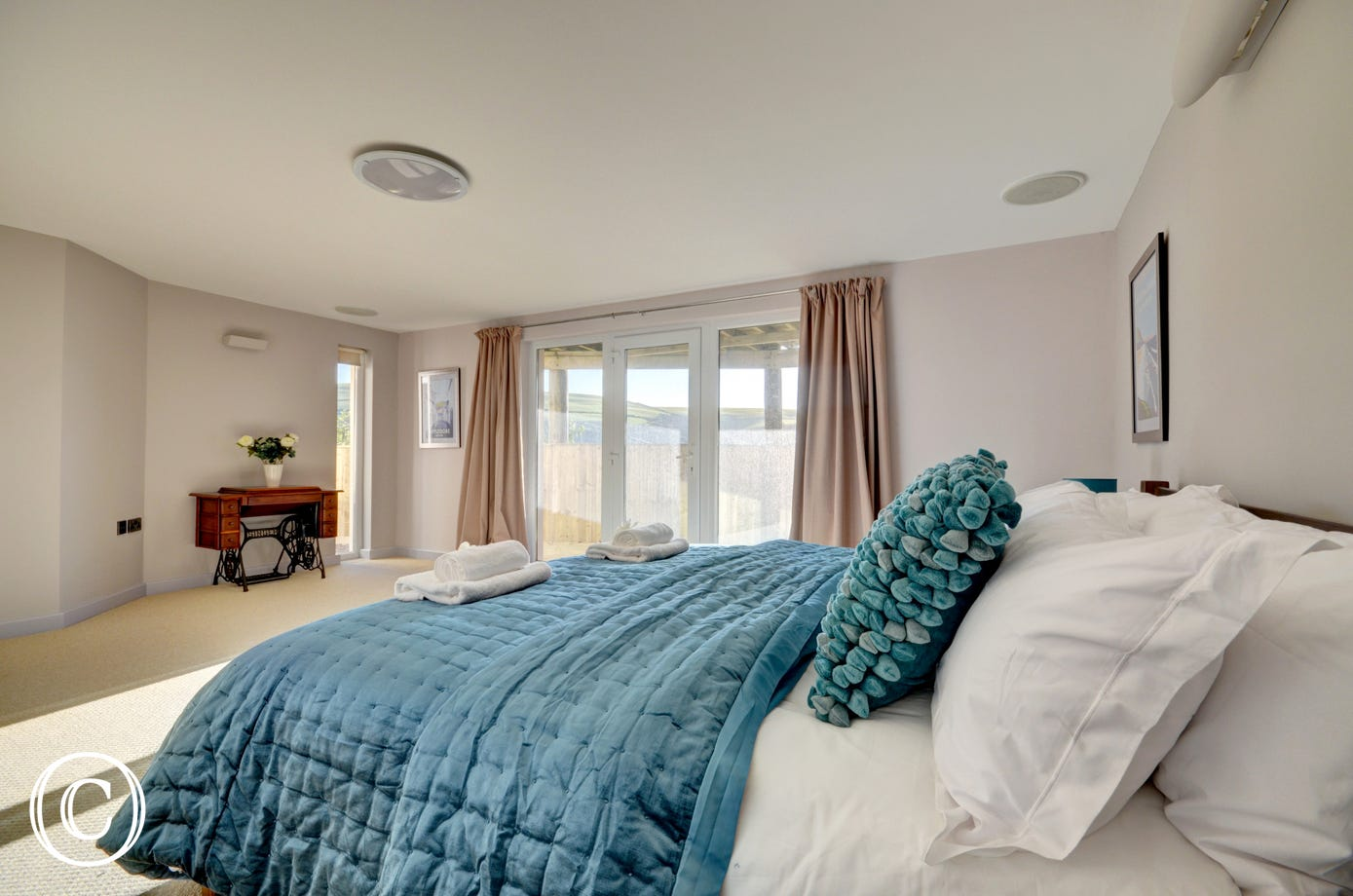 Very spacious master bedroom that benefits from an ensuite bathroom