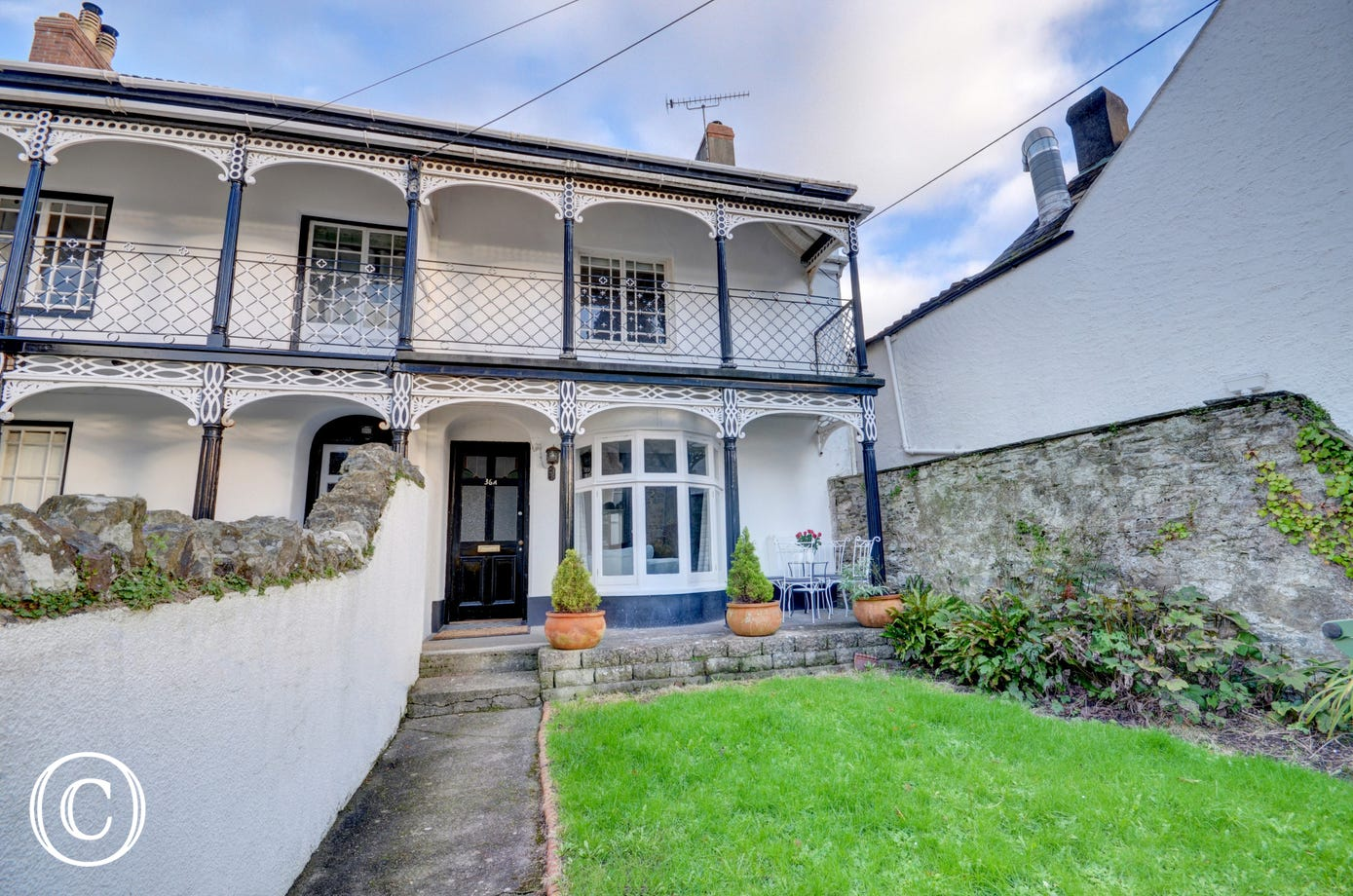 Gladstone is an attractive Grade II colonial style character house located in the historic part of Braunton
