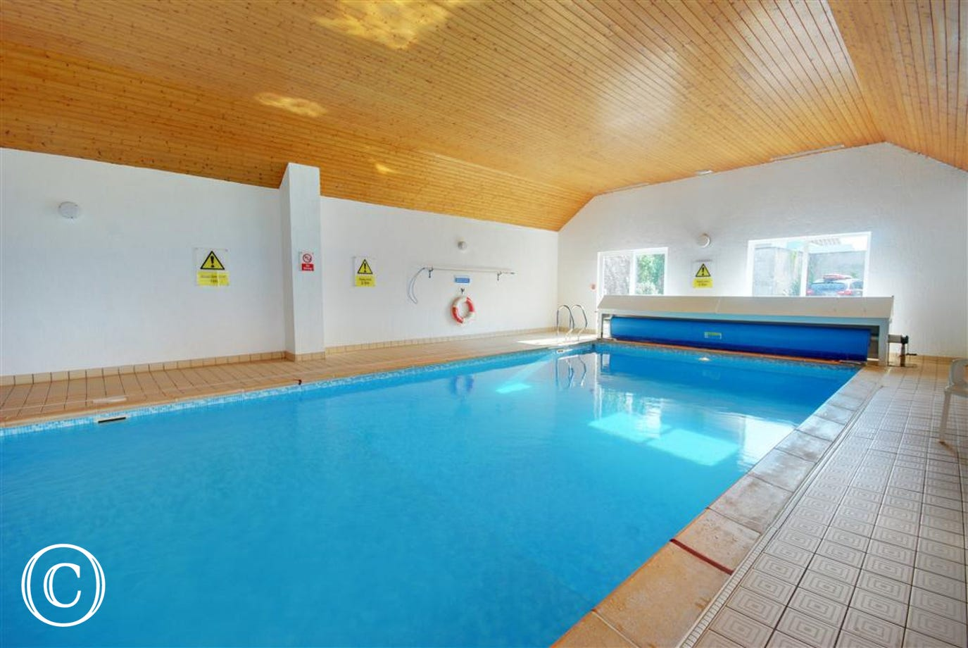 The apartment is conveniently placed with quick and easy access to the heated swimming pool.