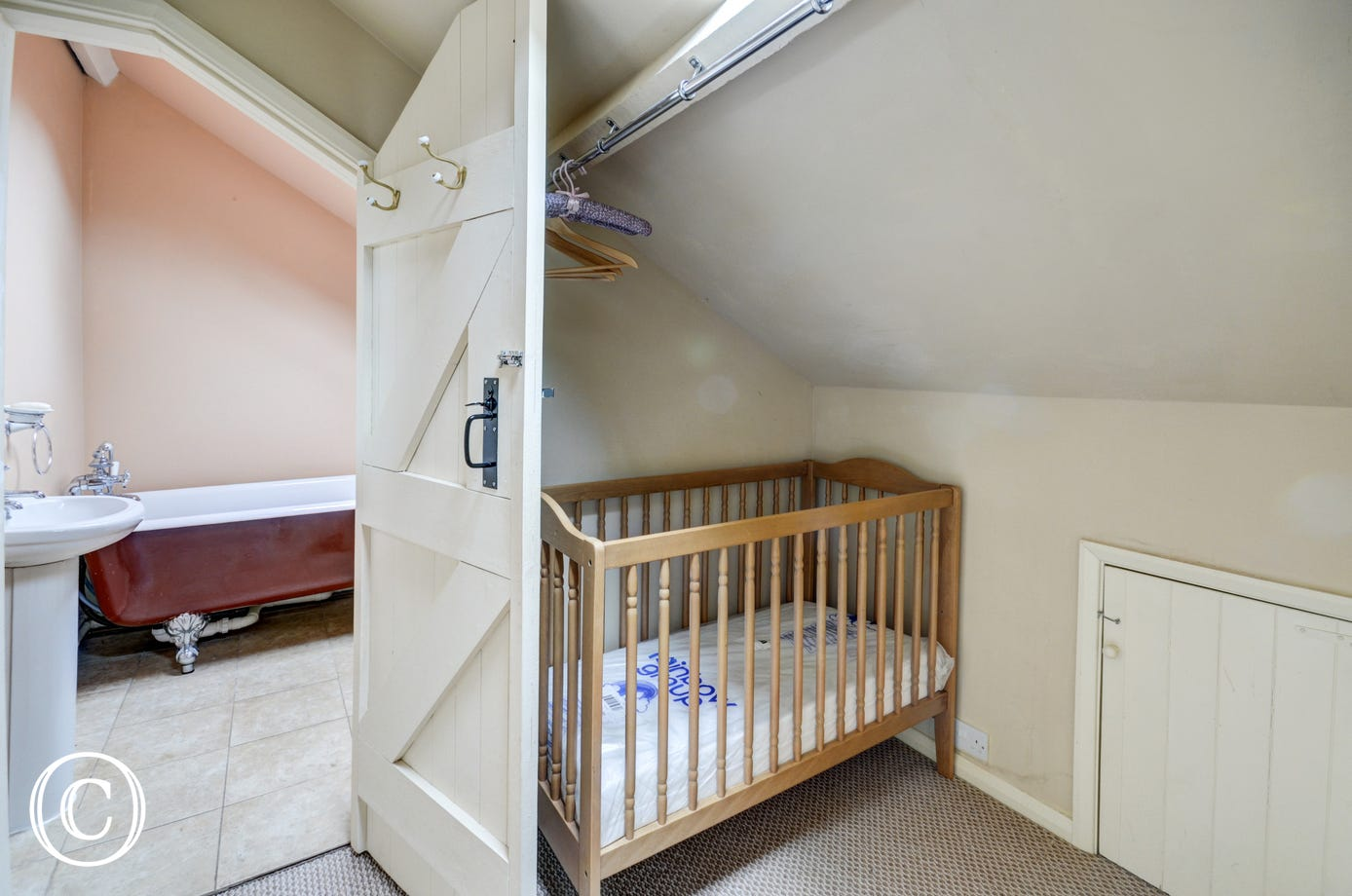 Space for the cot off from the master bedroom