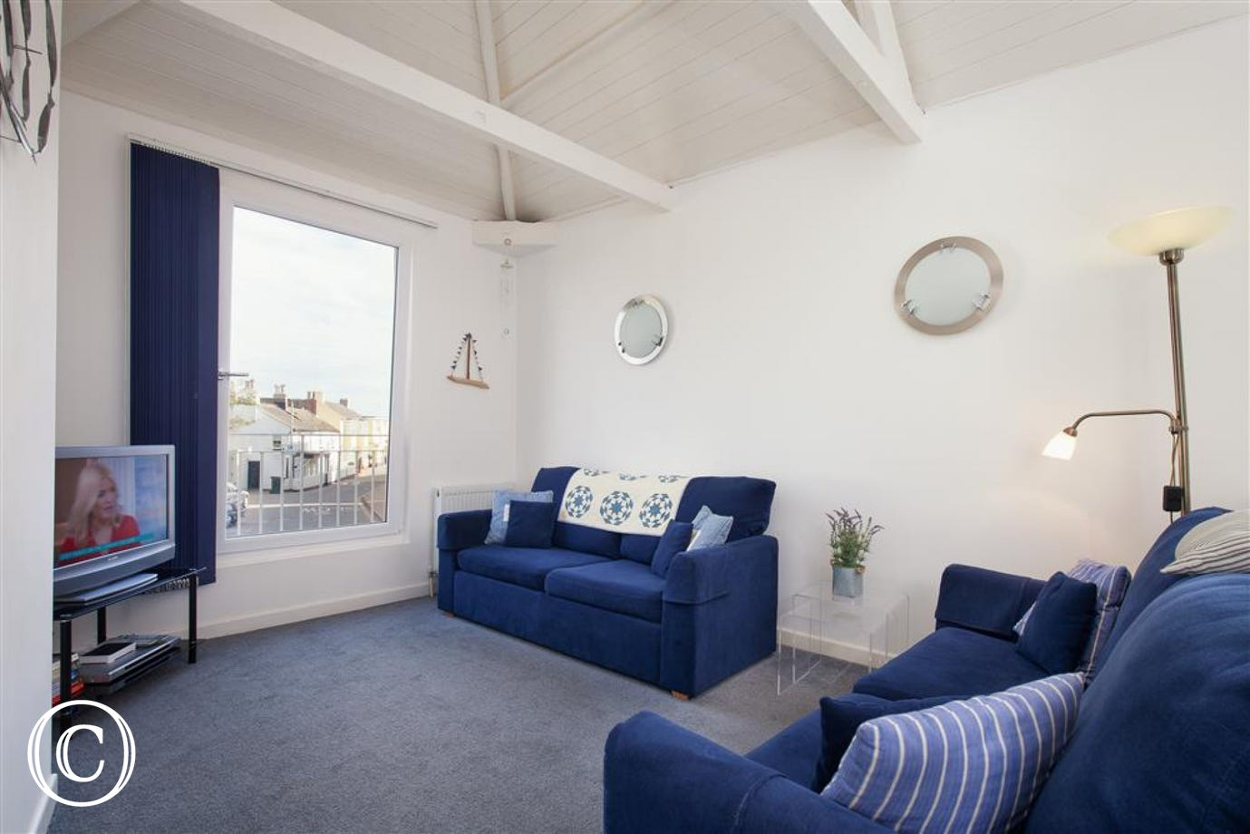 Oyster Cottage, Shaldon - Lounge (View 2)